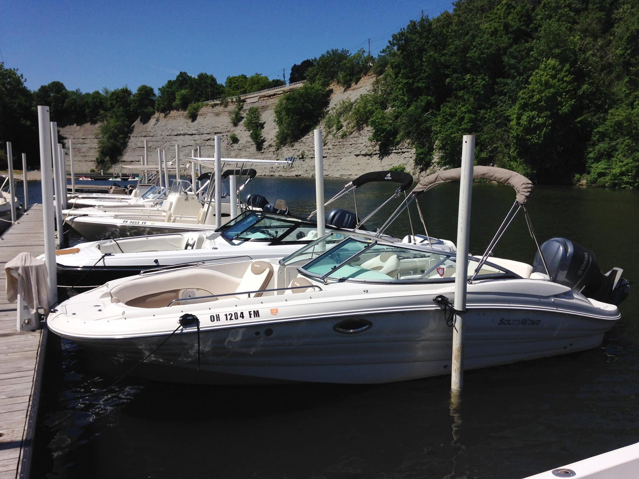 Freedom Boat Club Lake Erie - Rocky River - Boat Rental Service