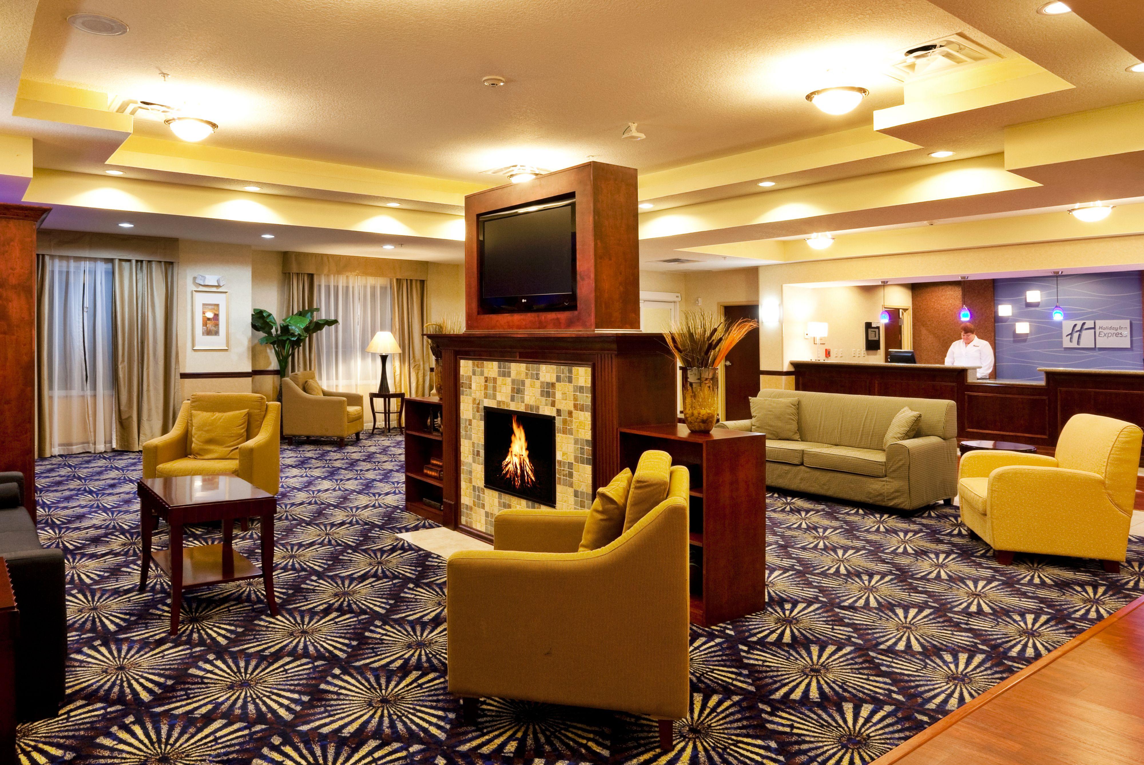 Holiday Inn Express Brooksville-I-75 image 4