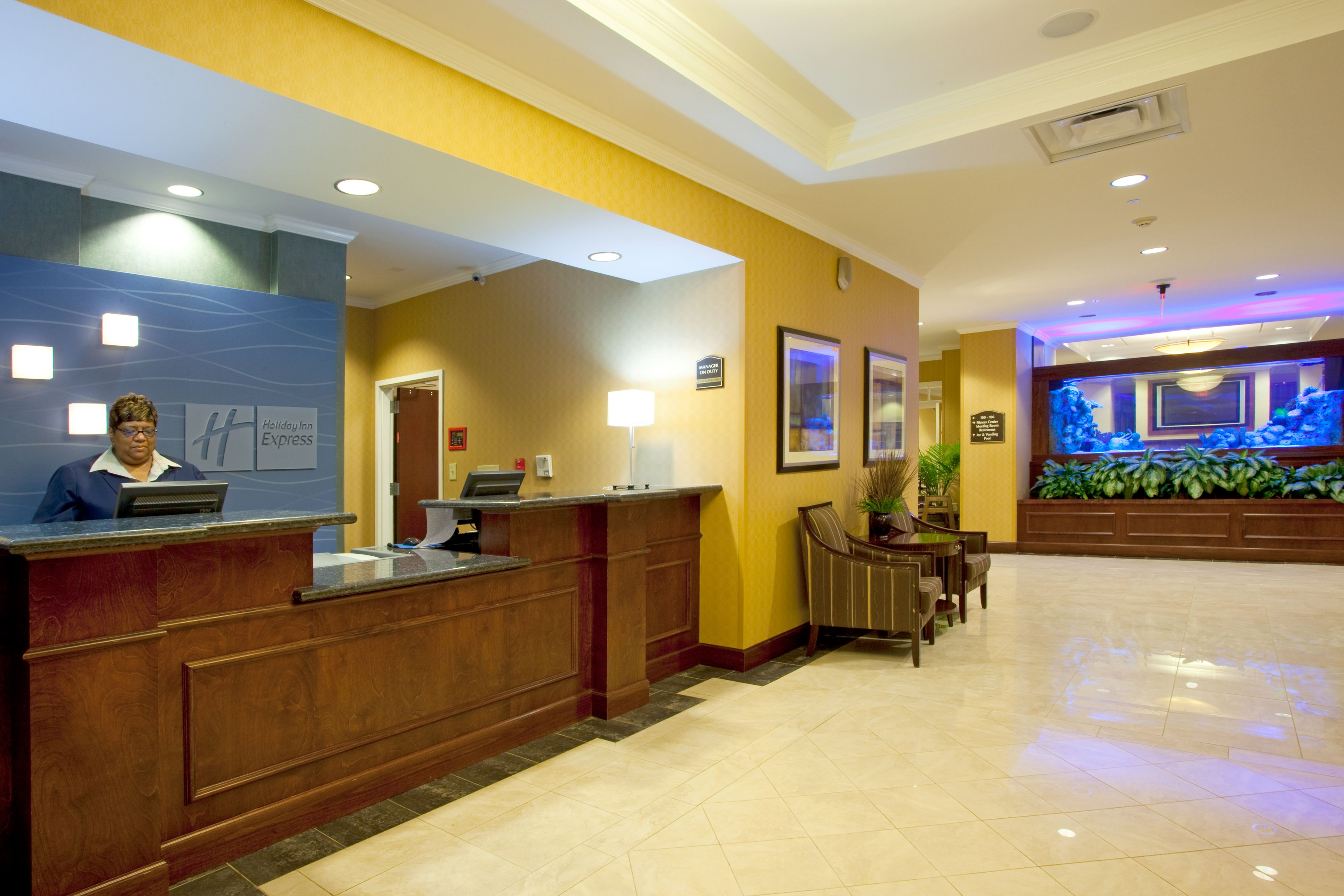 Holiday Inn Express & Suites Columbus At Northlake image 5