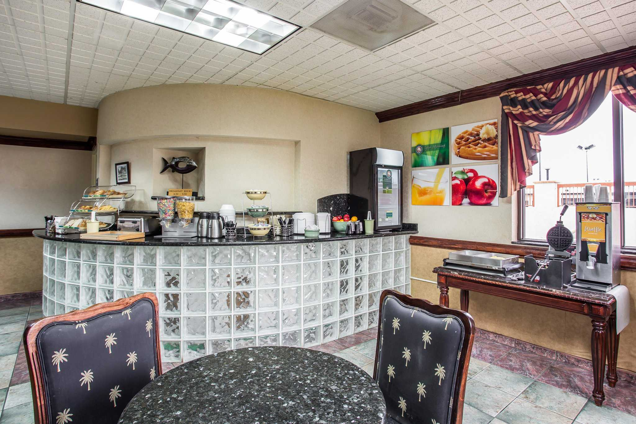 Quality Inn & Suites Ft. Jackson Maingate image 28