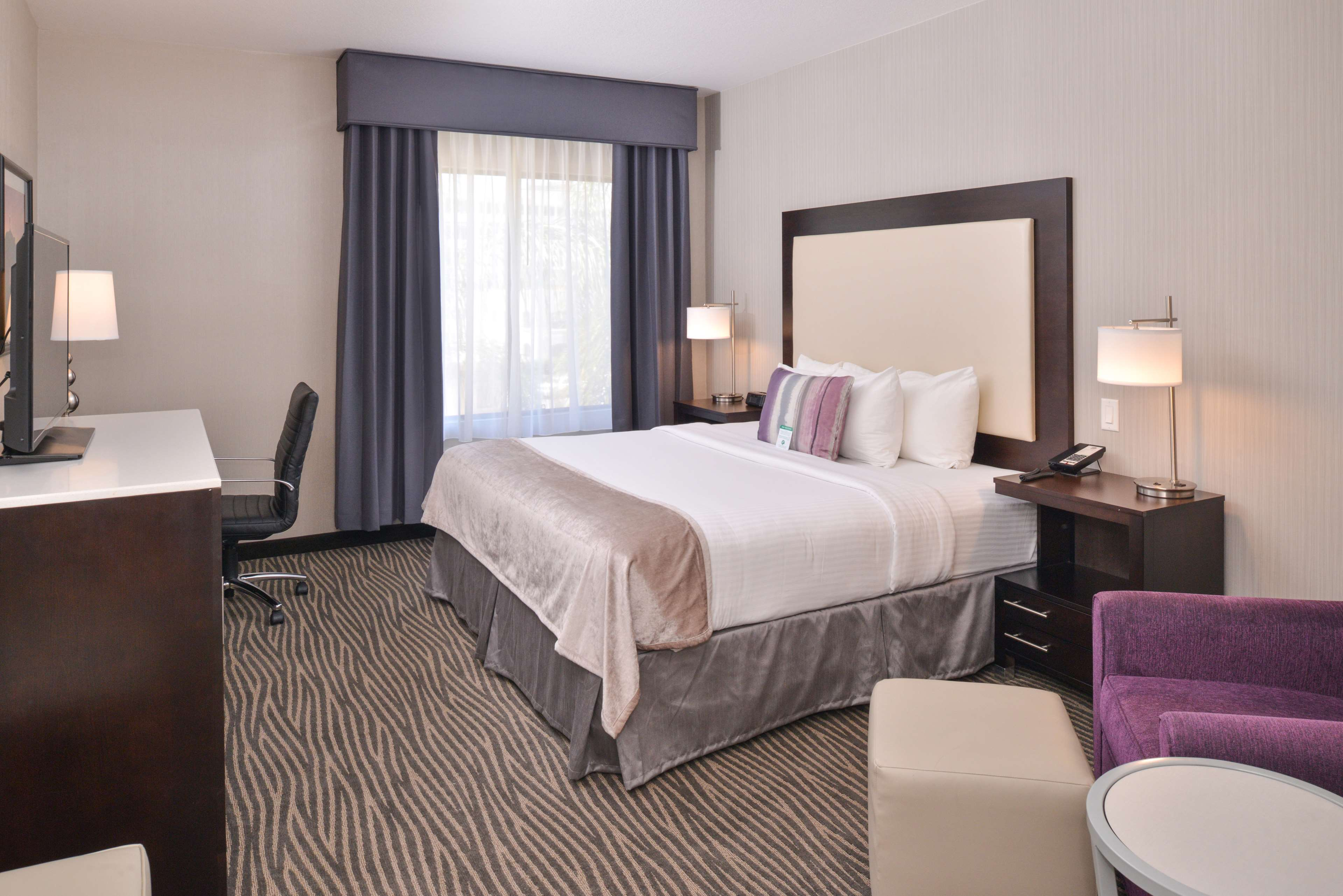 Best Western Plus Hotel at the Convention Center image 11