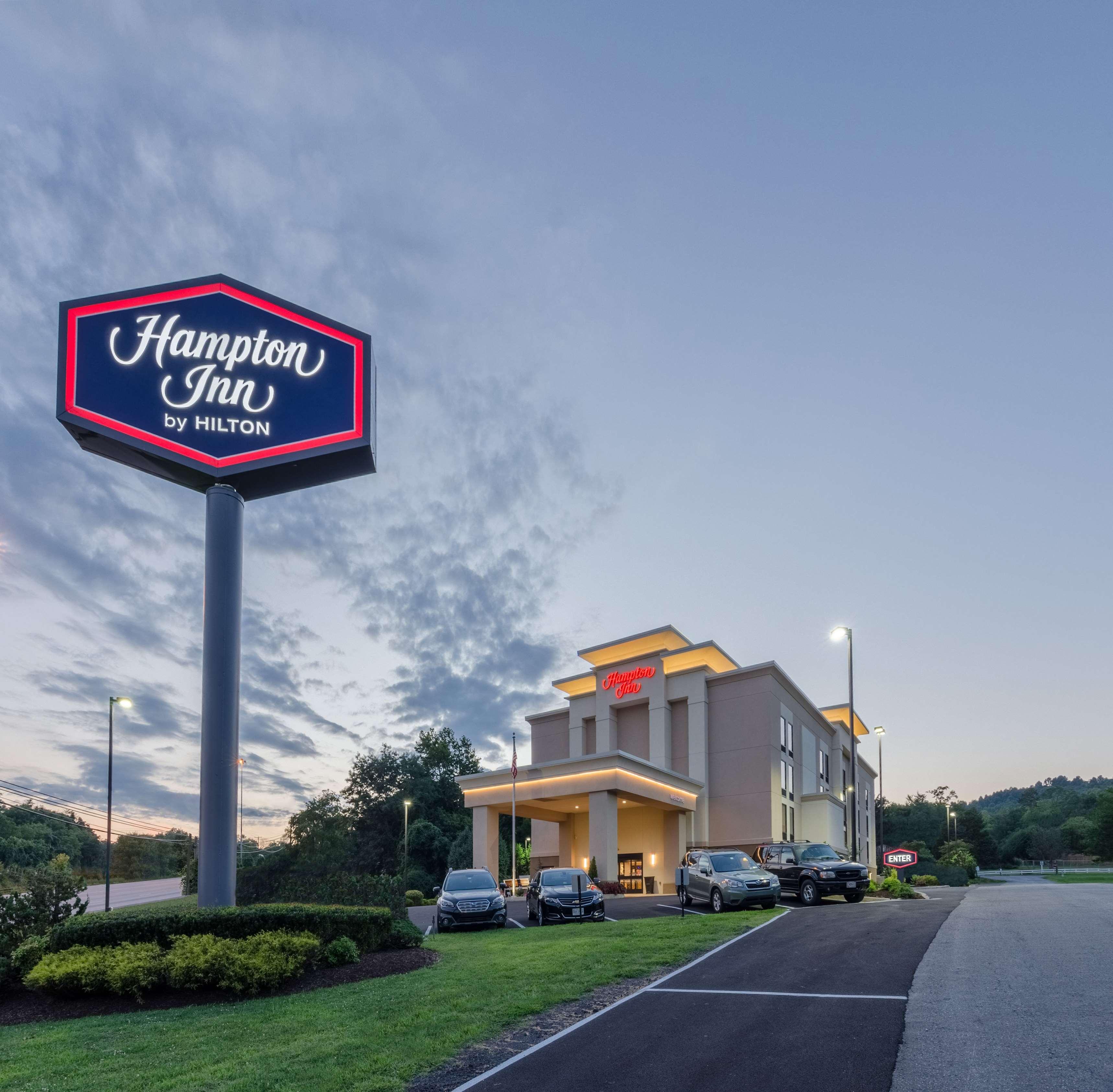 Hampton Inn Covington image 0