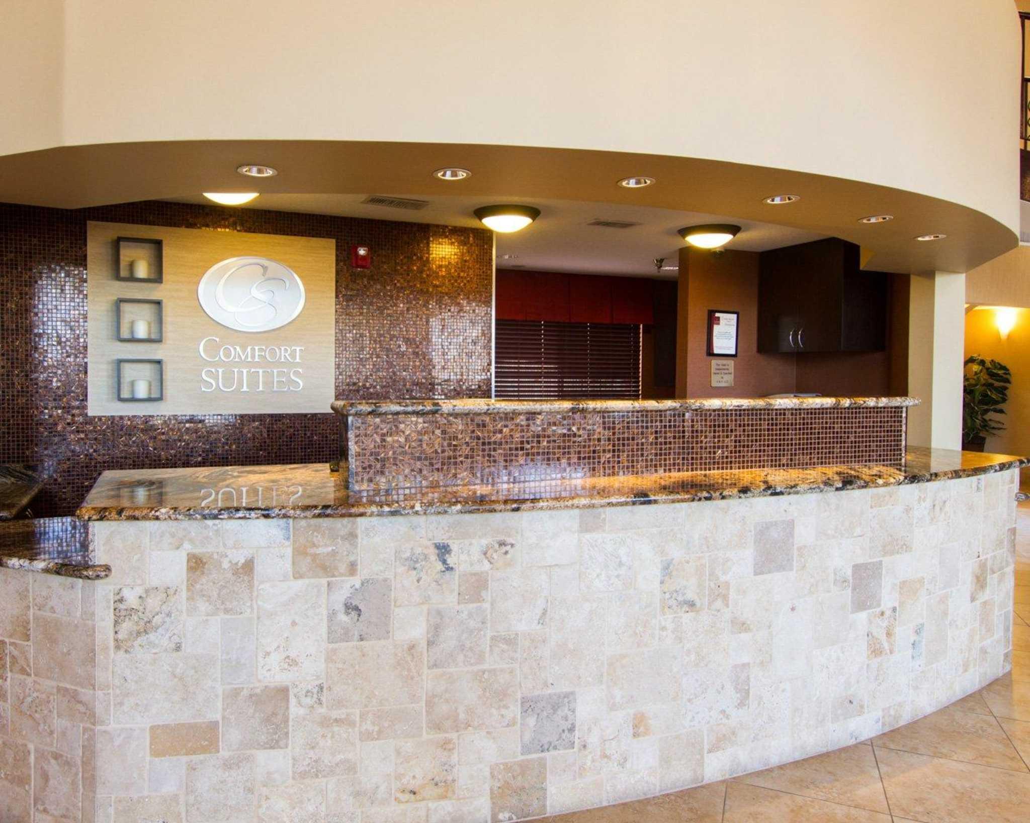 Comfort Suites Phoenix Airport image 6