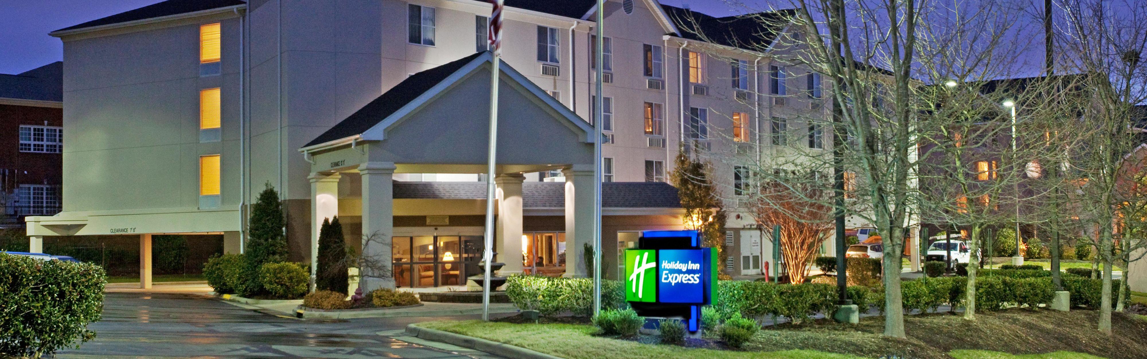 Holiday Inn Express Chapel Hill image 0