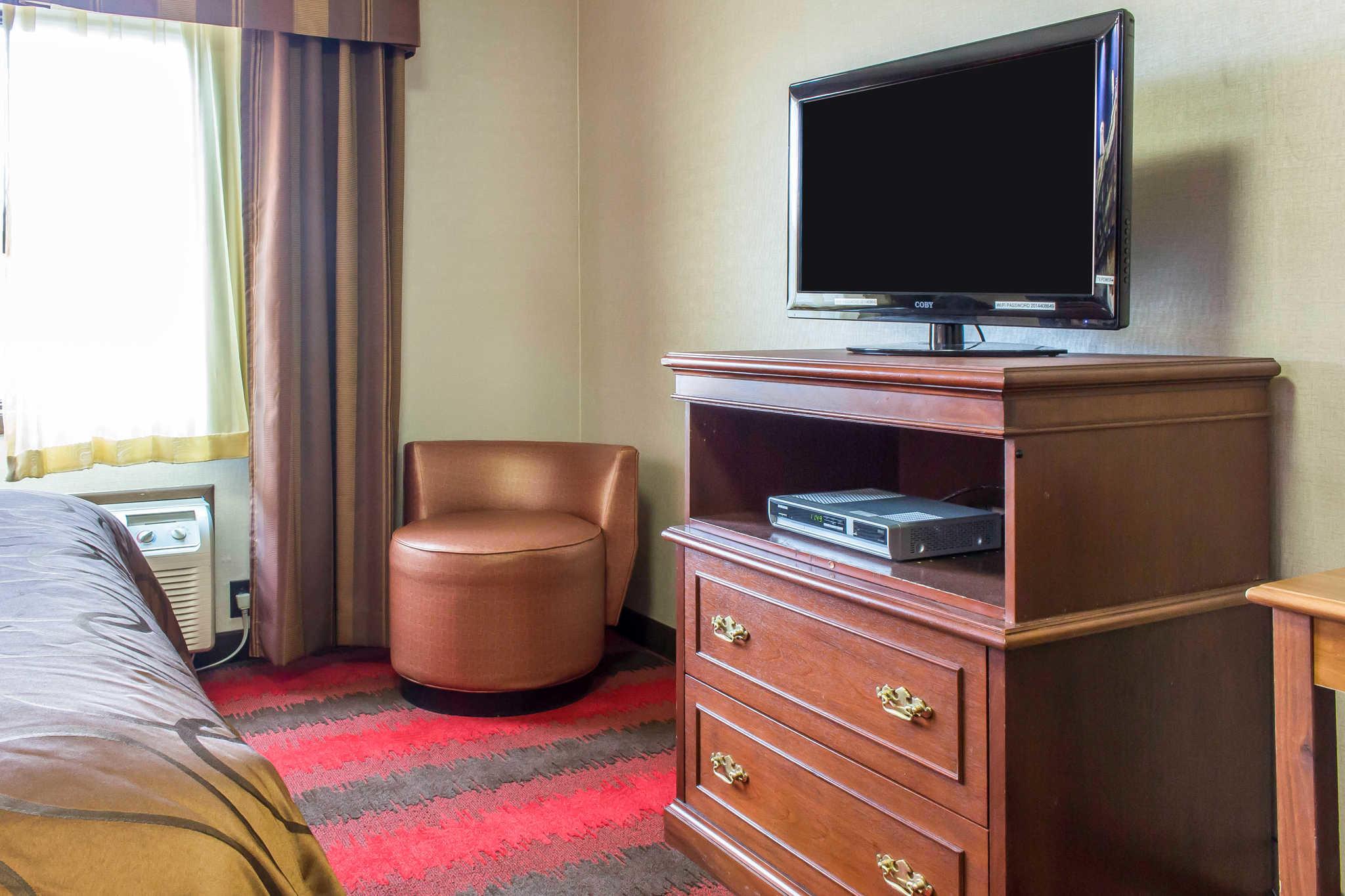 Rodeway Inn Capri image 6