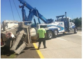 J & M Towing & Recovery image 2