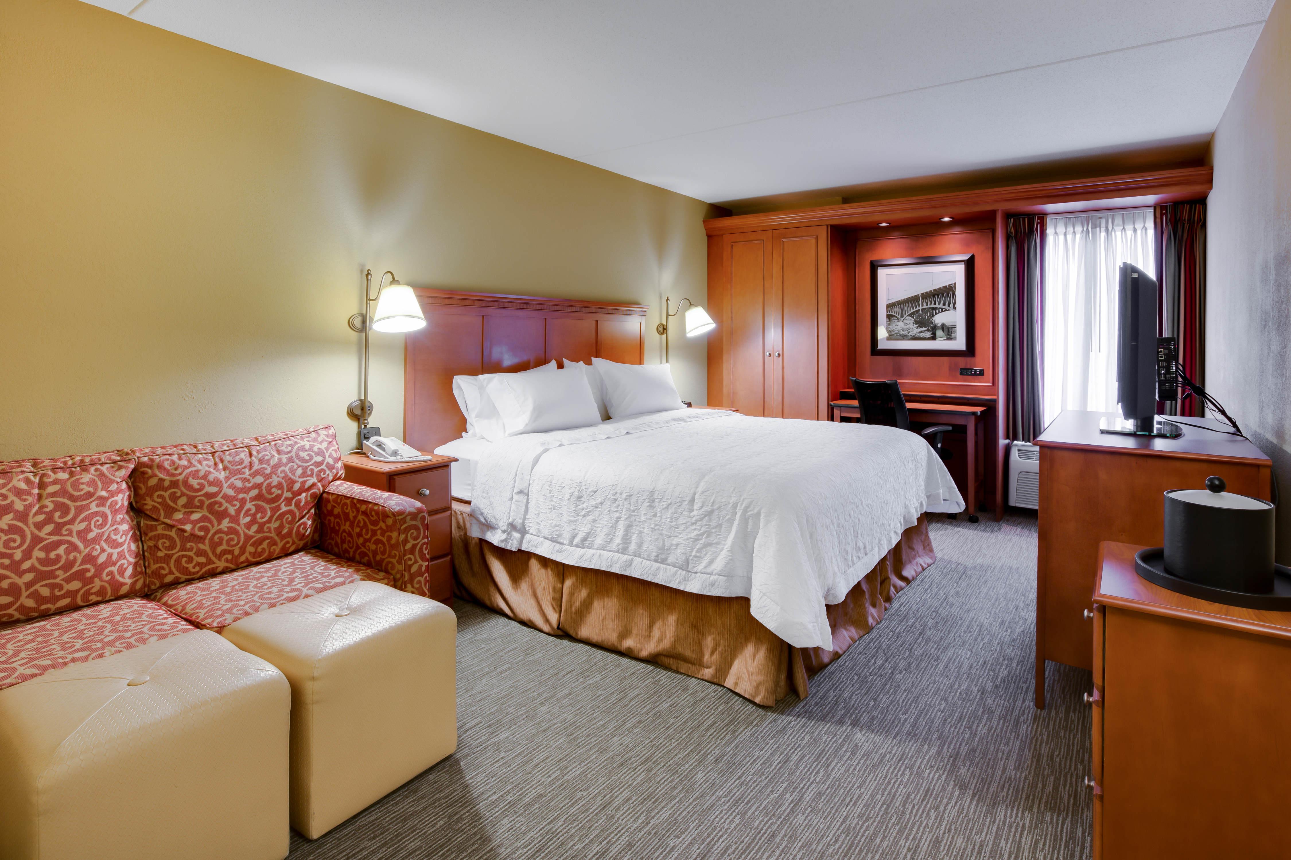 Hampton Inn Pittsburgh/Greentree image 16