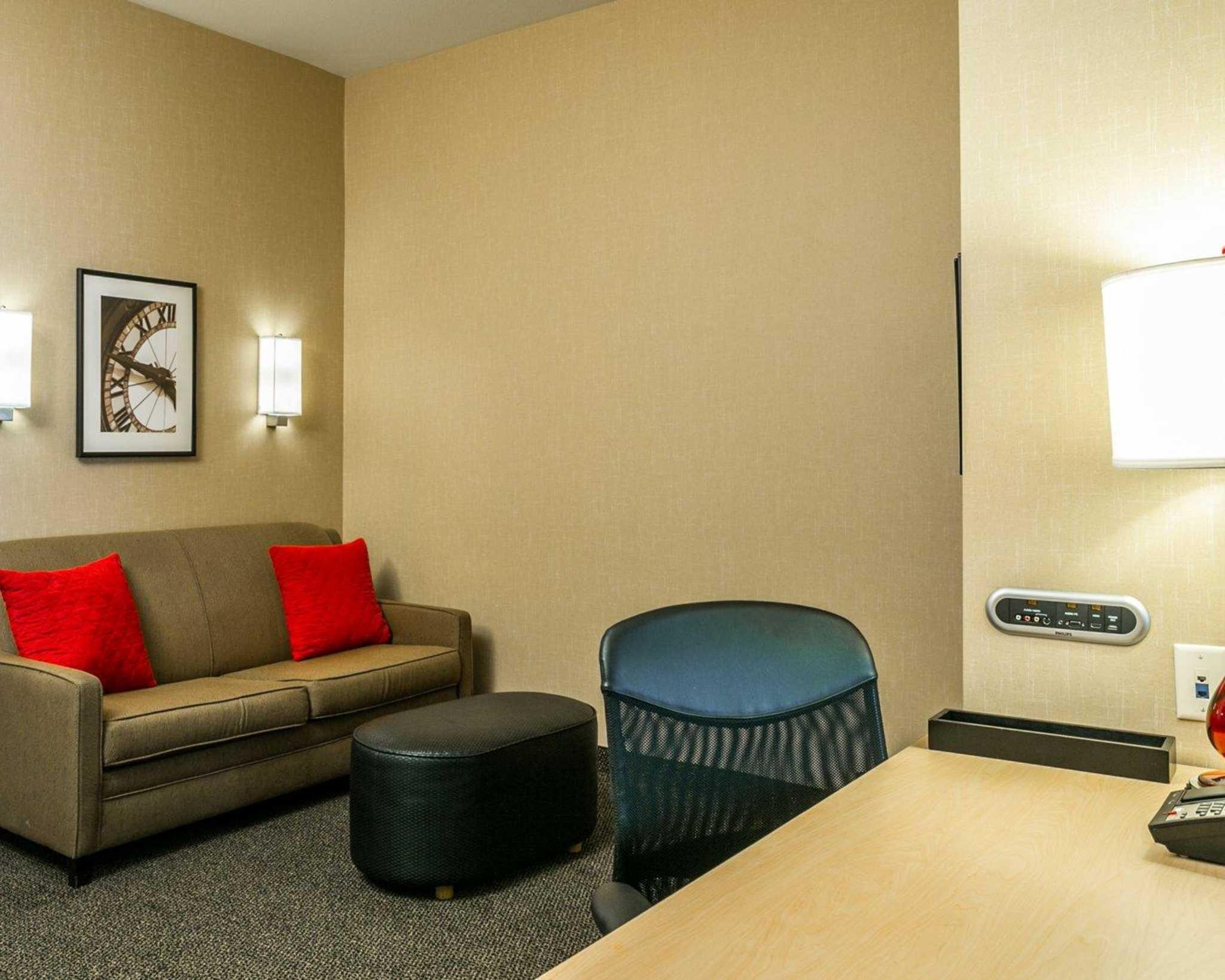 Cambria Hotel Denver International Airport image 18