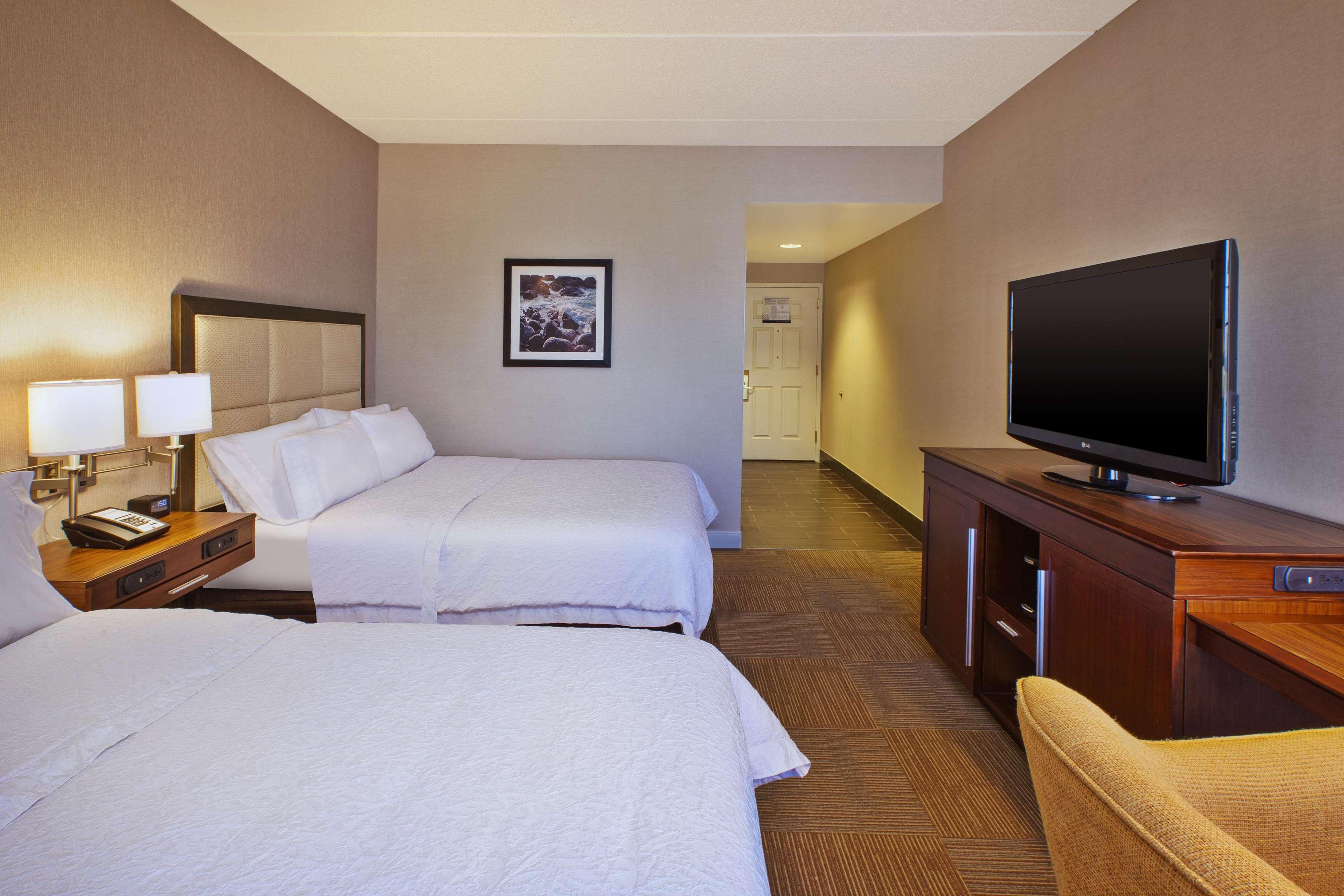 Hampton Inn & Suites Providence/Warwick-Airport image 37