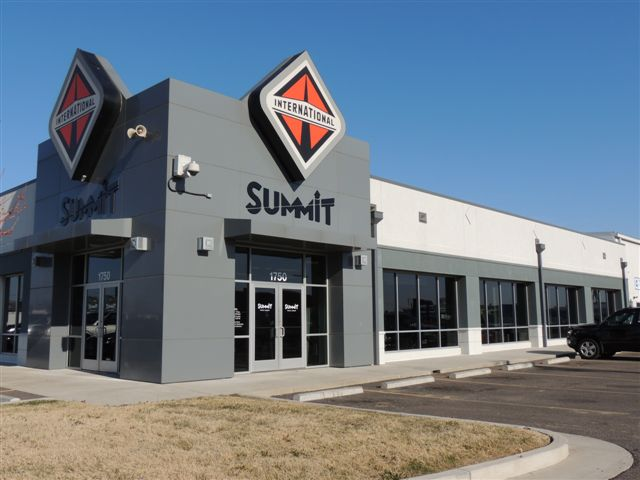 Summit Truck Group image 0