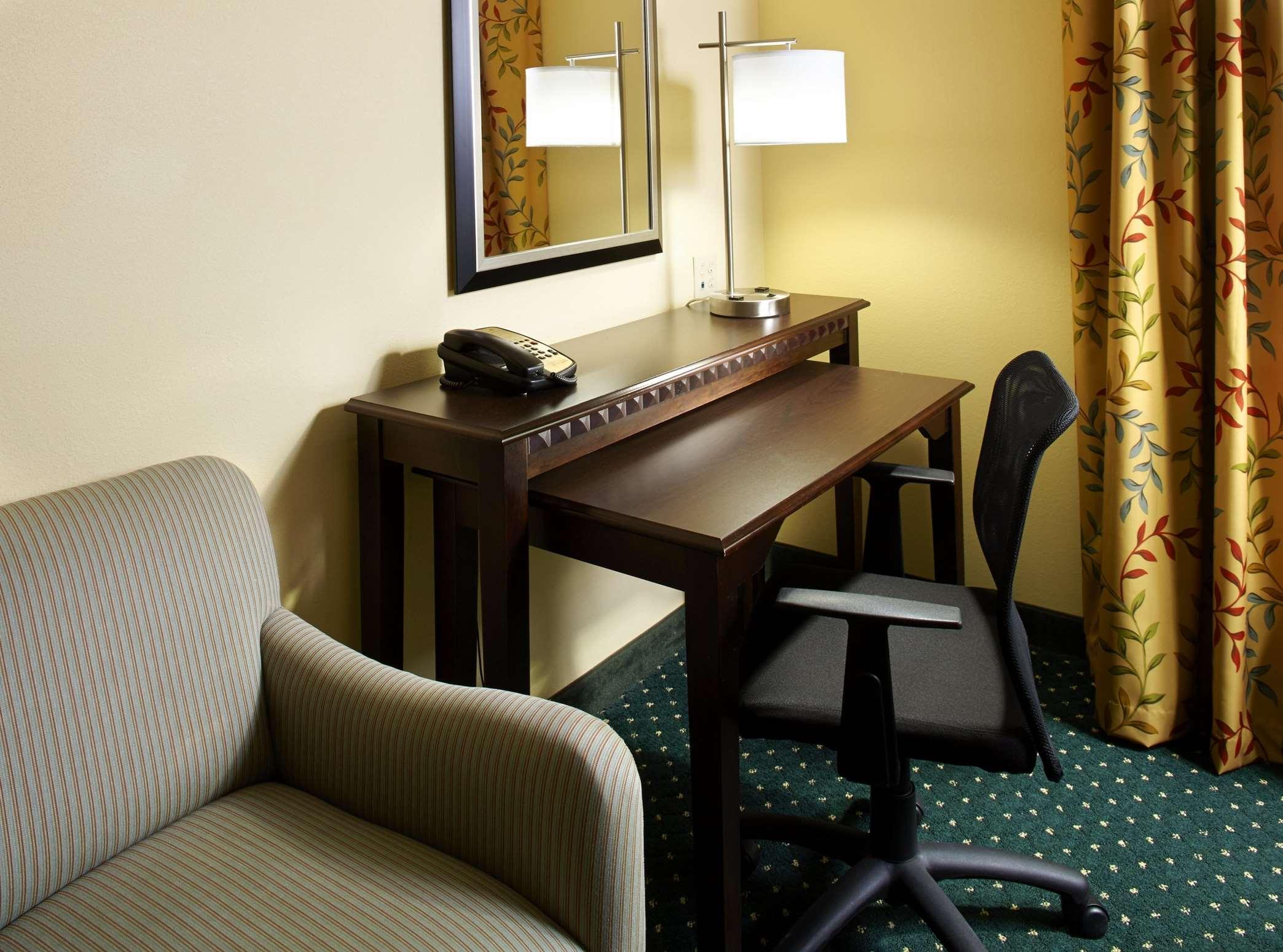 Hampton Inn & Suites Clearwater/St. Petersburg-Ulmerton Road, FL image 21