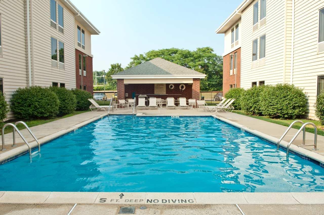 Hampton Inn & Suites Newtown image 34