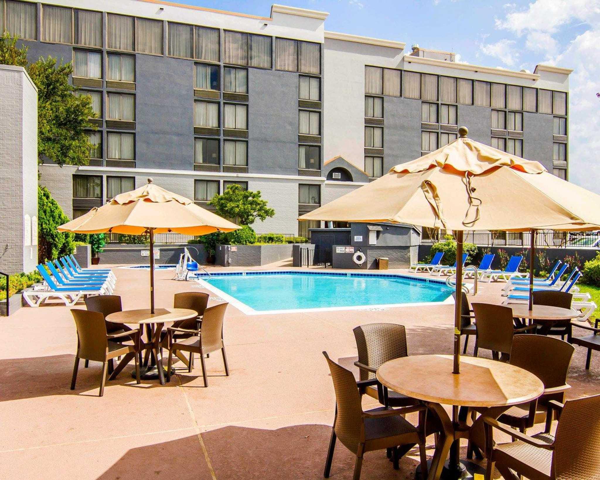 Comfort Inn & Suites Plano East image 0