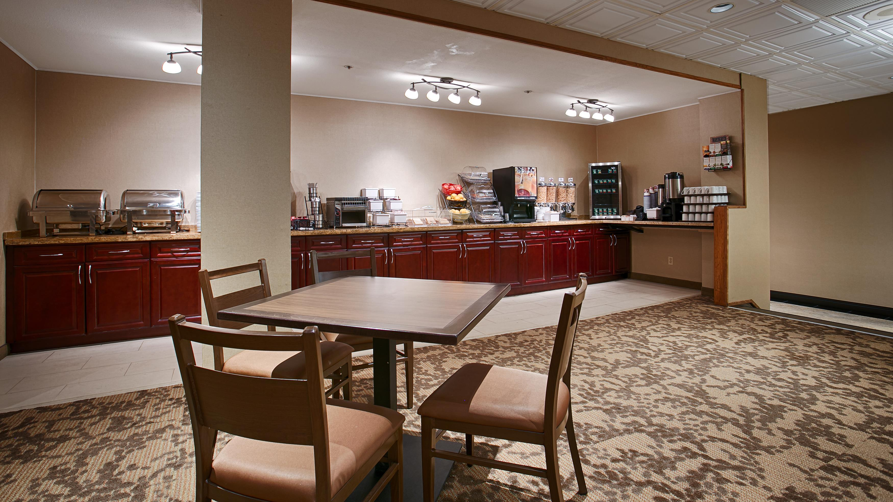 Best Western Terrace Inn in Terrace: Breakfast Area