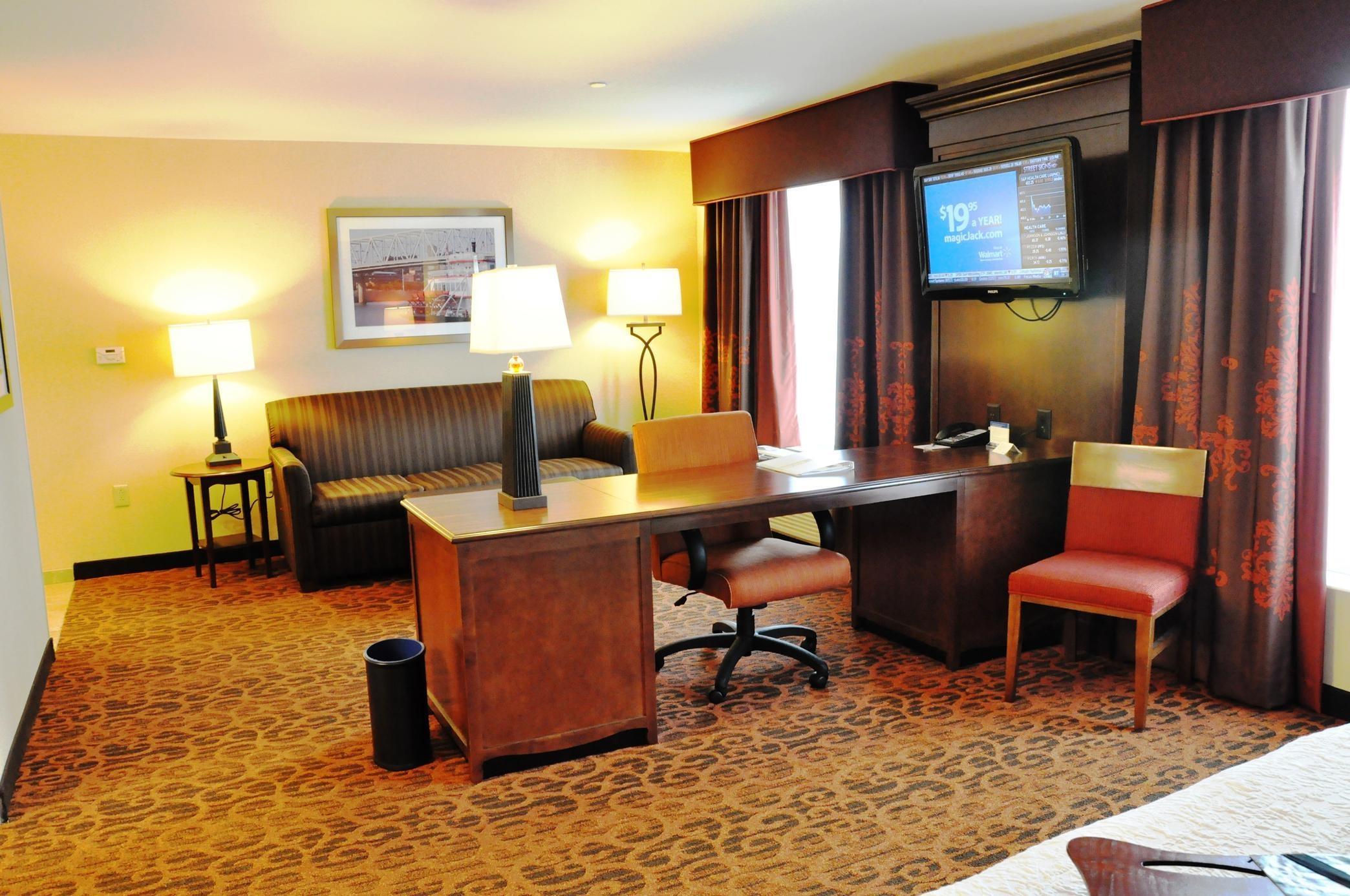 Hampton Inn & Suites Cincinnati/Uptown-University Area image 19