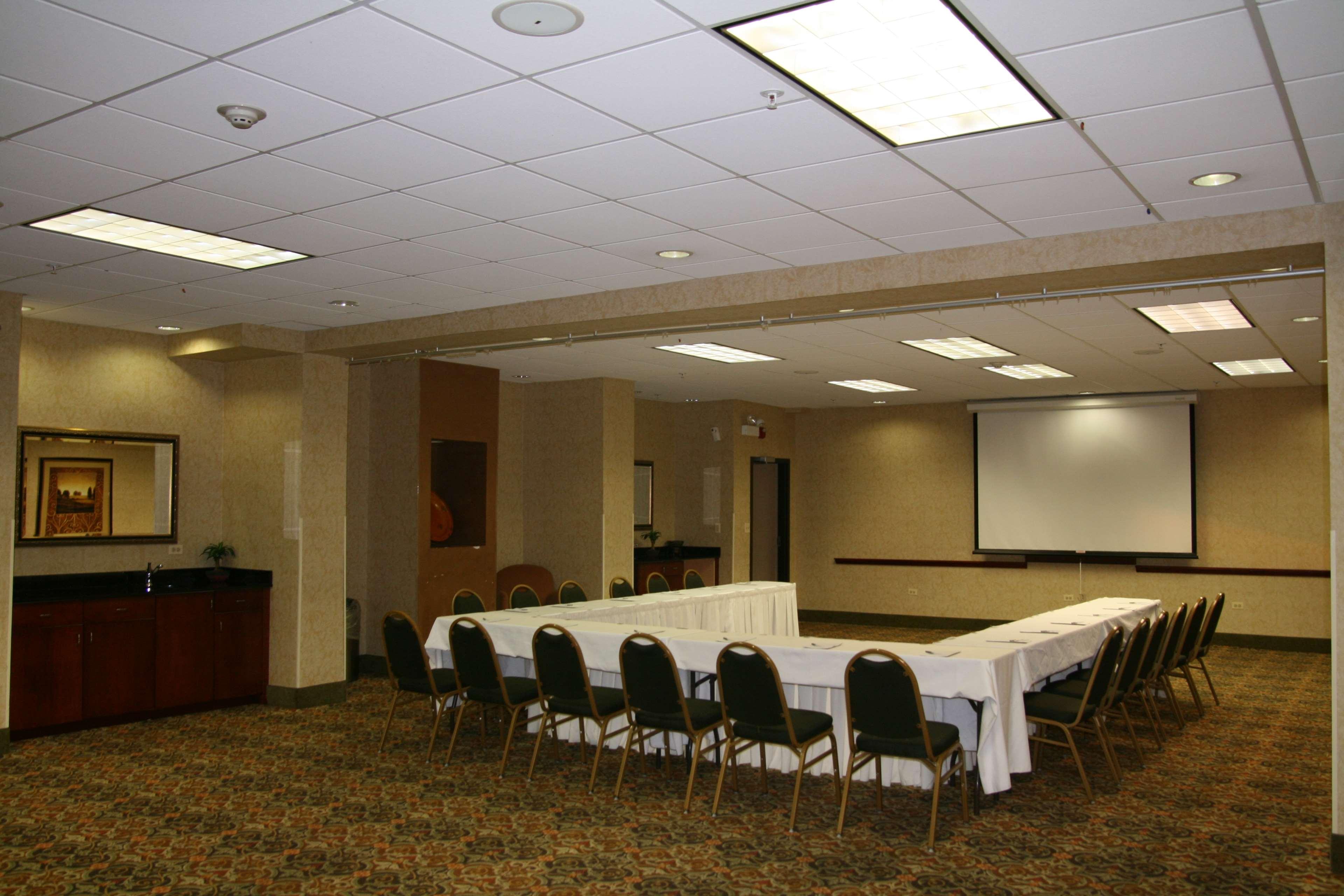 Hampton Inn & Suites Bolingbrook image 25