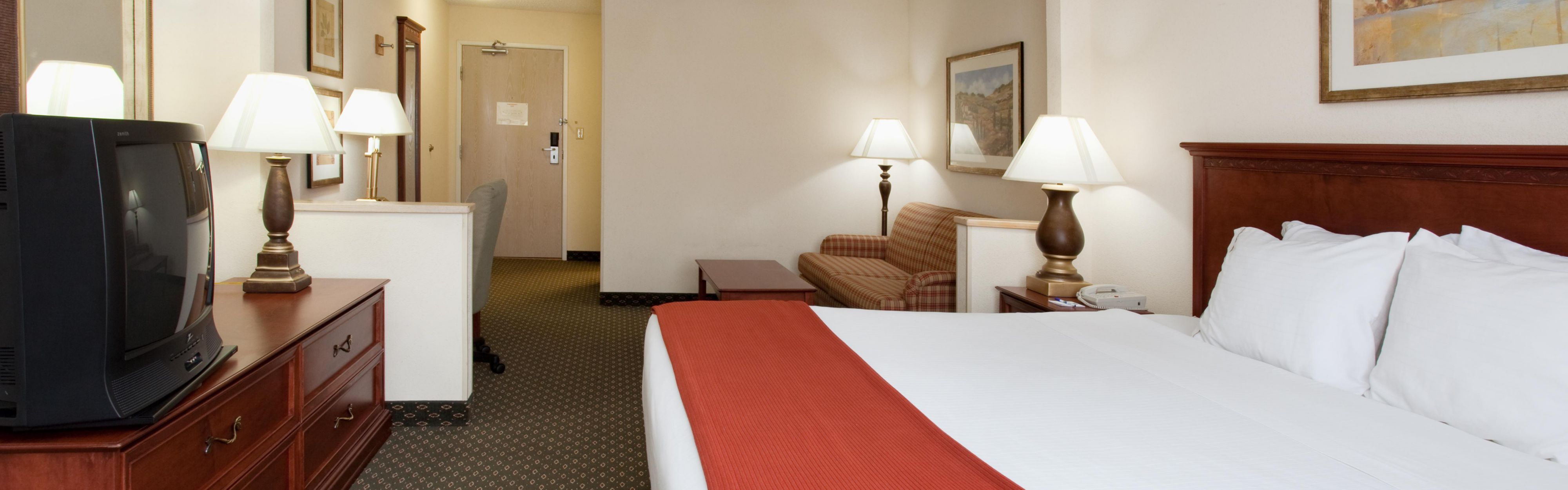 Holiday Inn Express Greeley image 1