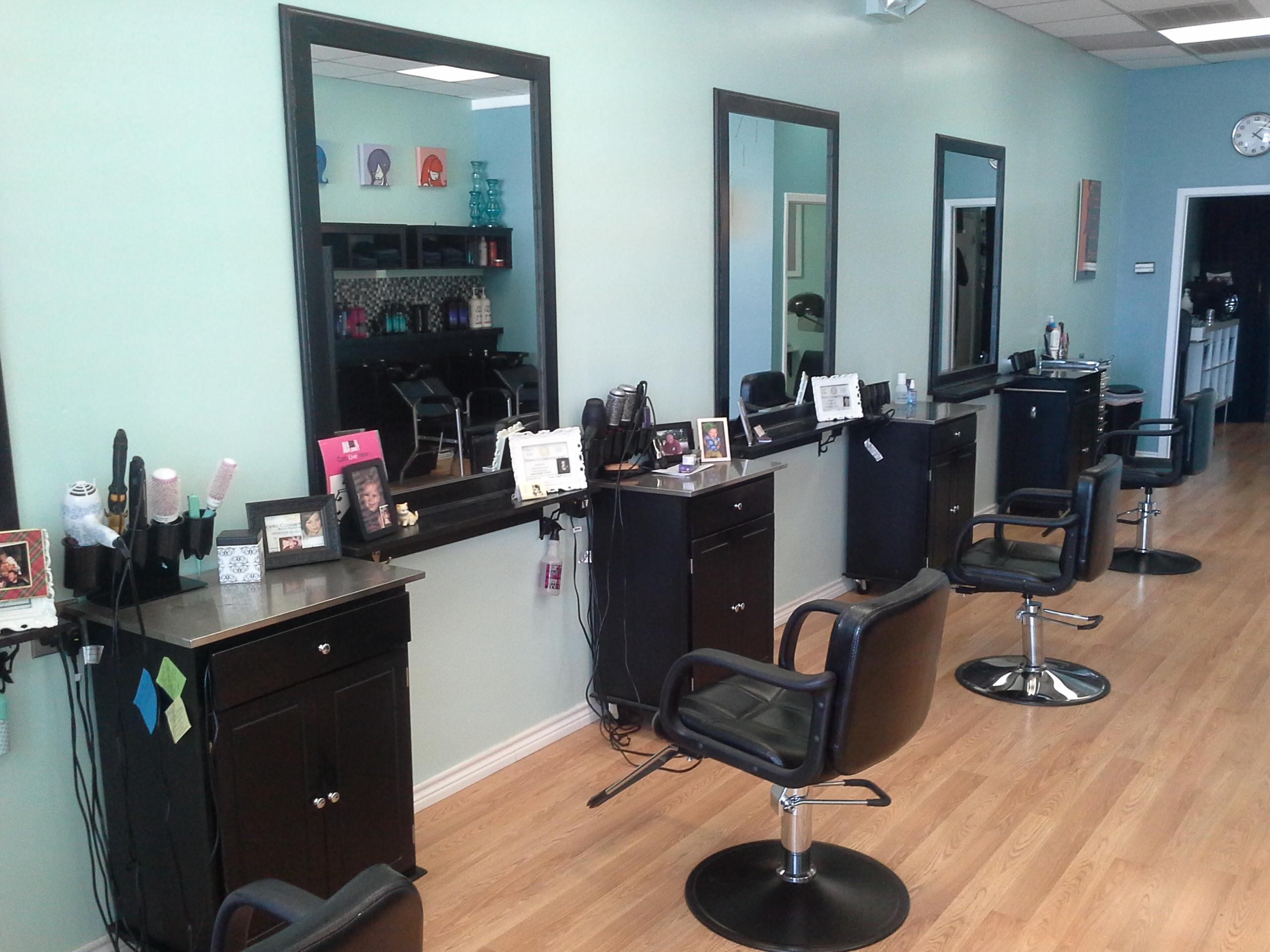 Bettie Bangs Salon image 36
