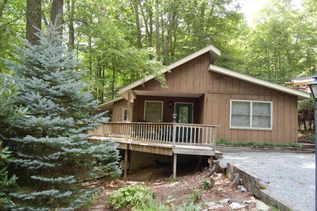 Terrific 2 Bedroom/2 Bath on corner lot!  One level living and large wrap around deck.  Listed at $124,000.  For more information on this or any of our listings call us at 800-521-3712 or visit our we