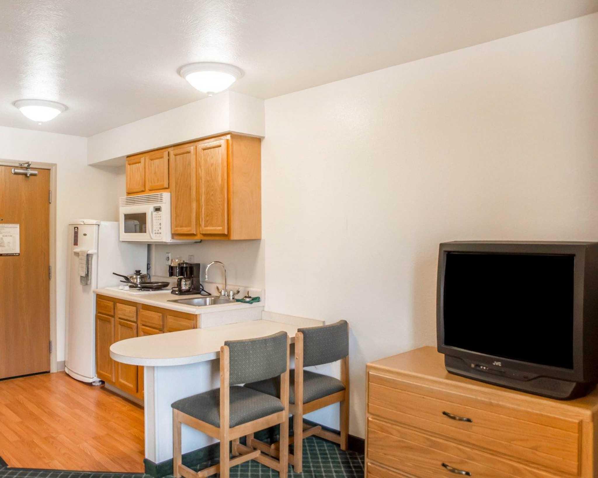 Suburban Extended Stay Hotel Dayton-WP AFB image 19
