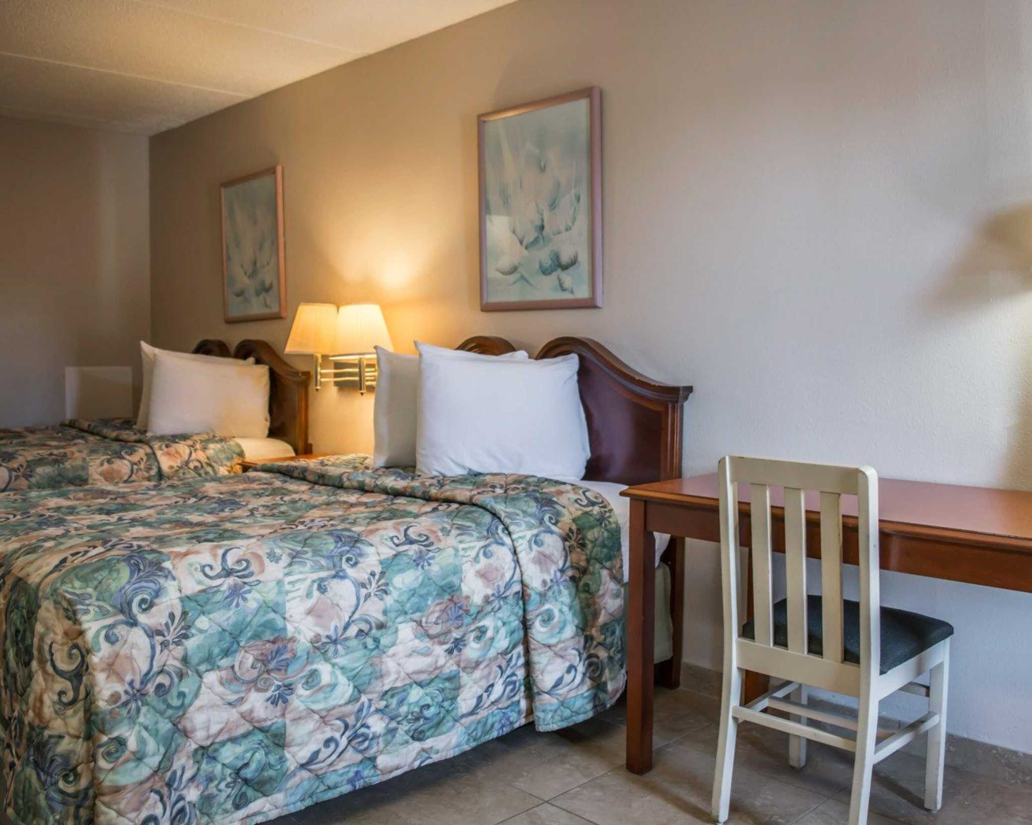 Rodeway Inn image 8