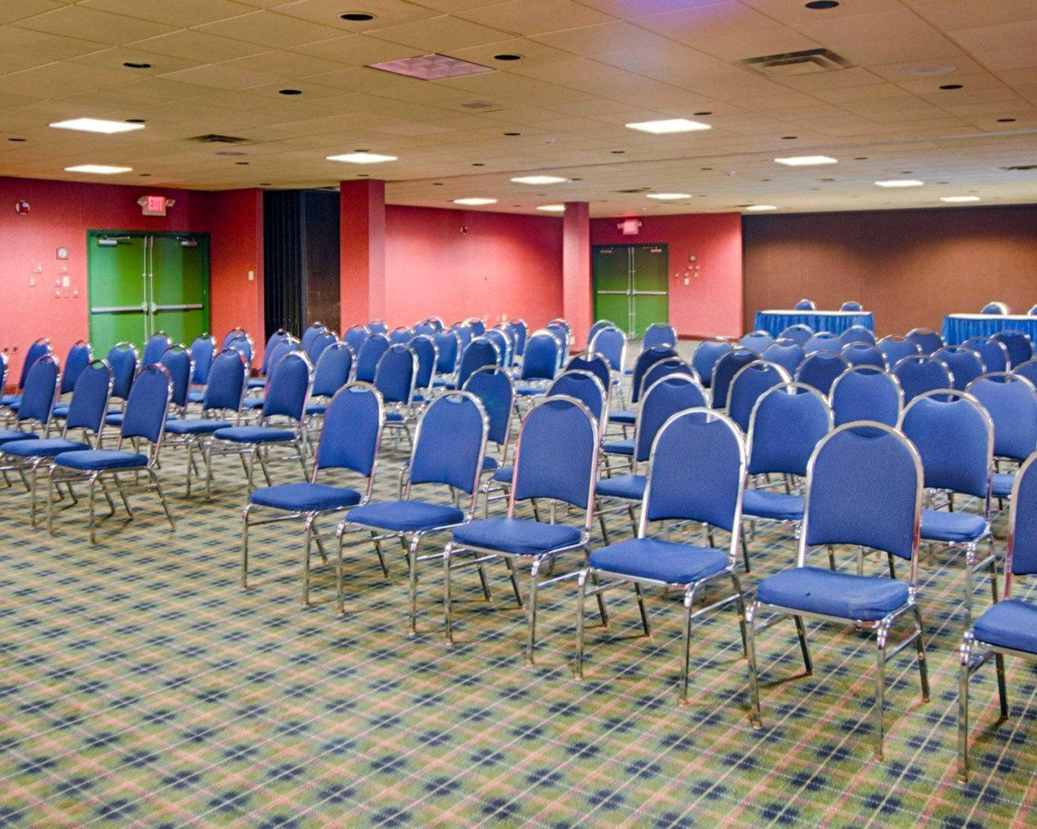 Quality Inn & Suites Fairgrounds image 11
