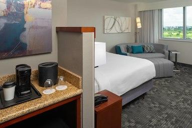 Courtyard by Marriott Miami Airport image 5