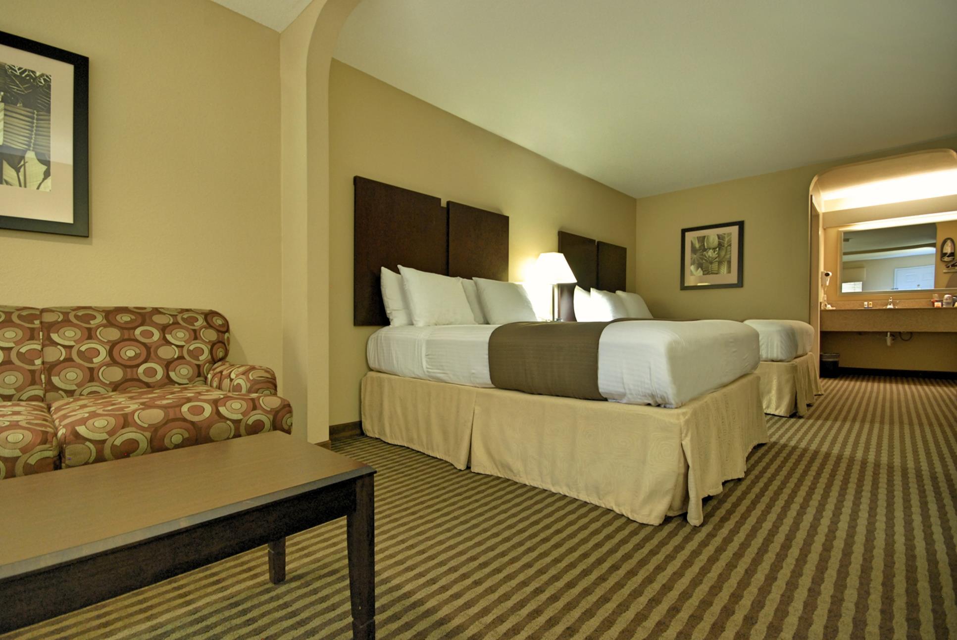 Best Western Cedar Inn image 17