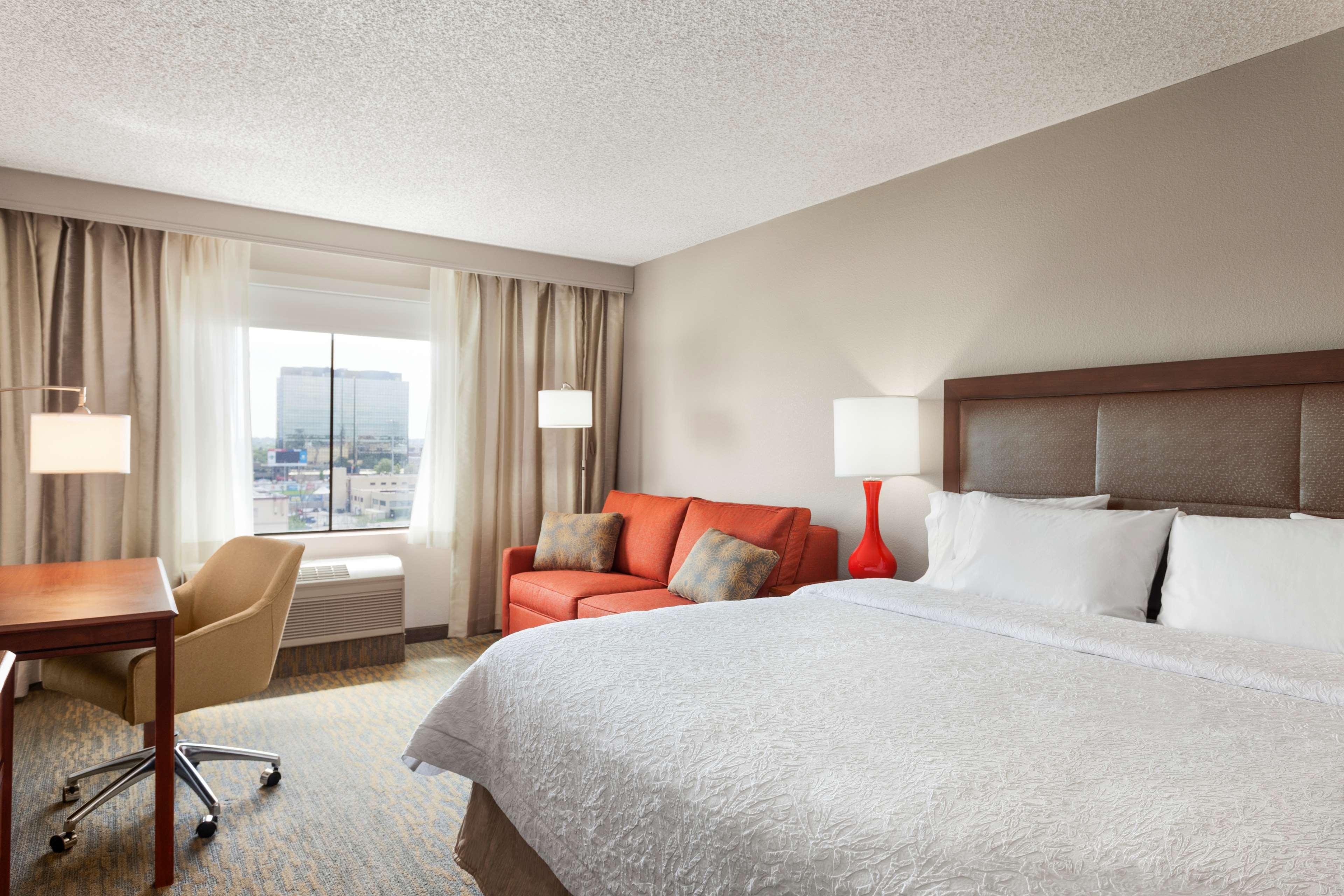 Hampton Inn & Suites Denver-Cherry Creek image 13
