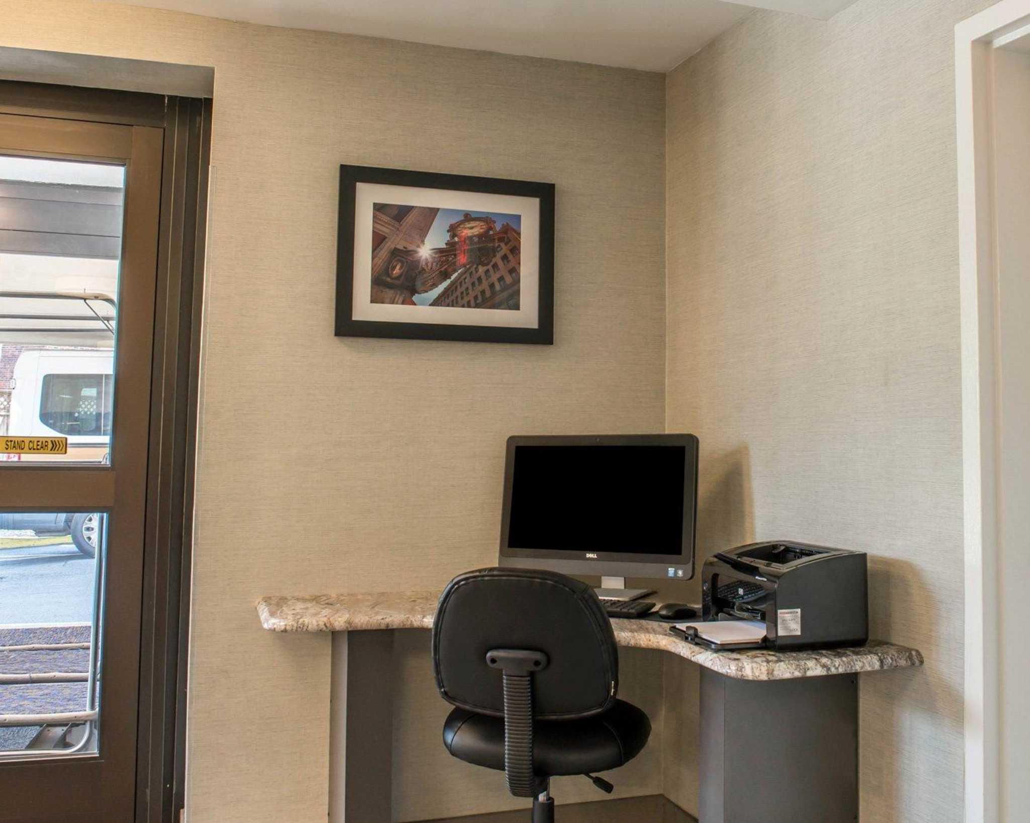 Quality Inn University Center image 27
