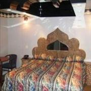 Royal Motel image 4