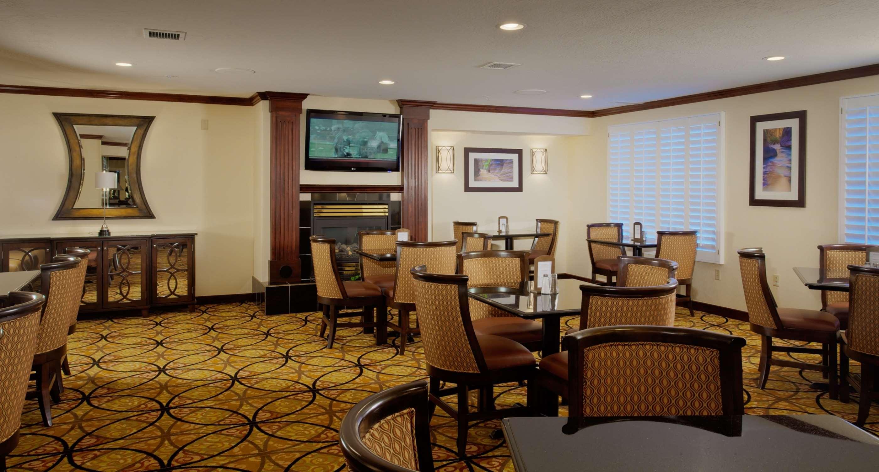 Hampton Inn & Suites Salt Lake City Airport image 6
