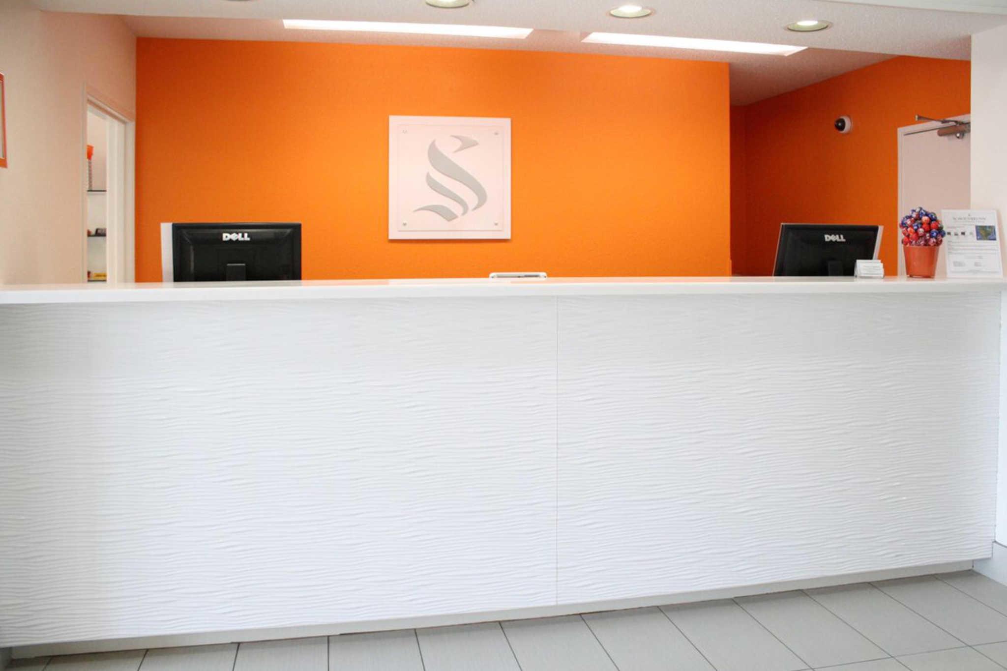 Schoenbrunn Inn & Conf. Center, an Ascend Hotel Collection Member image 1