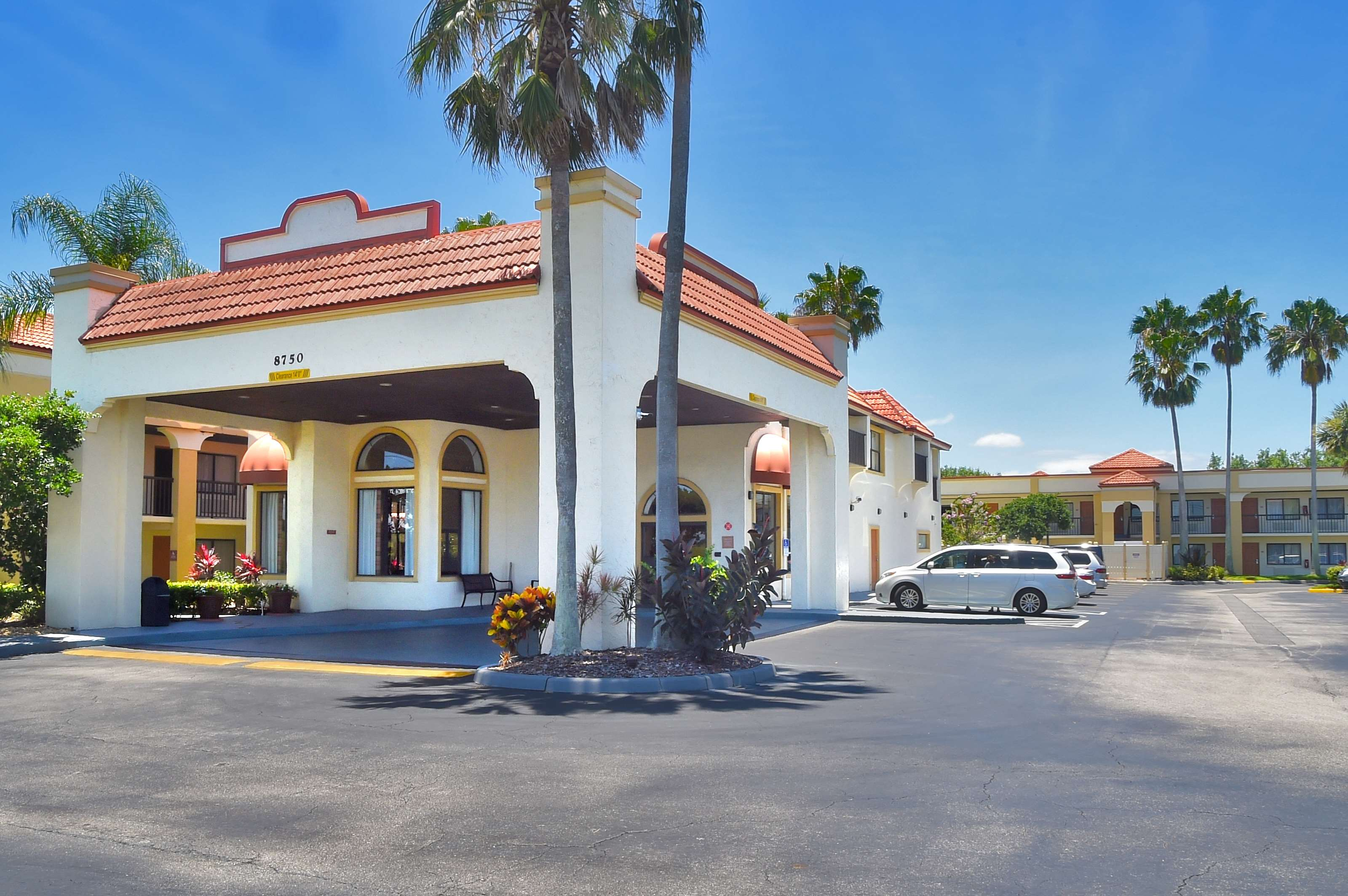 Hotels Near  E Colonial Dr Orlando Fl