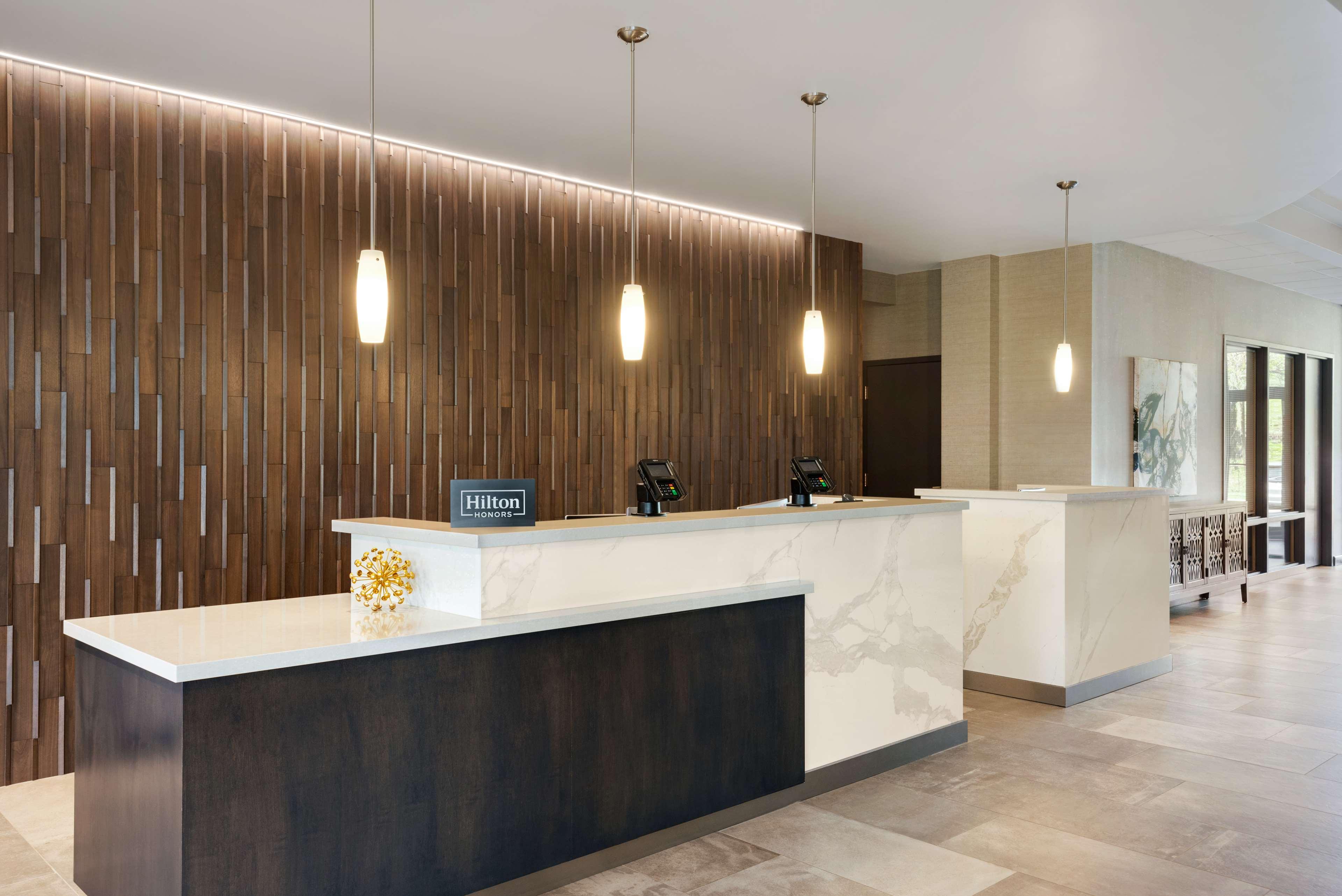 DoubleTree by Hilton St. Paul East image 3