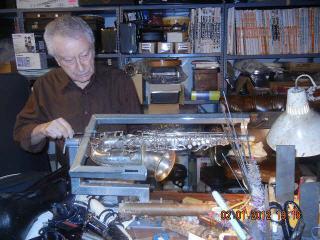 Vahik Musical Instrument & Repair in North Vancouver