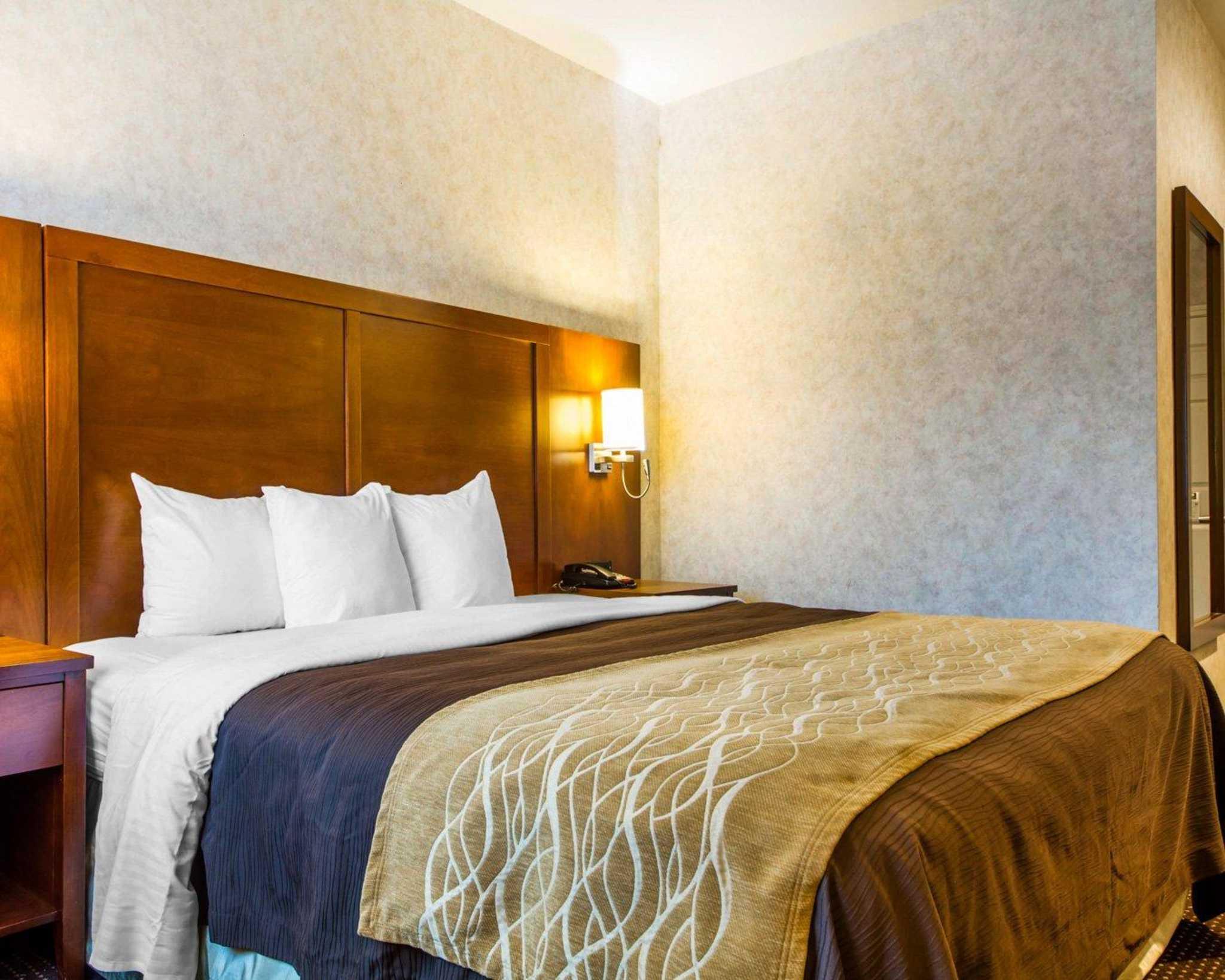 Comfort Inn image 9