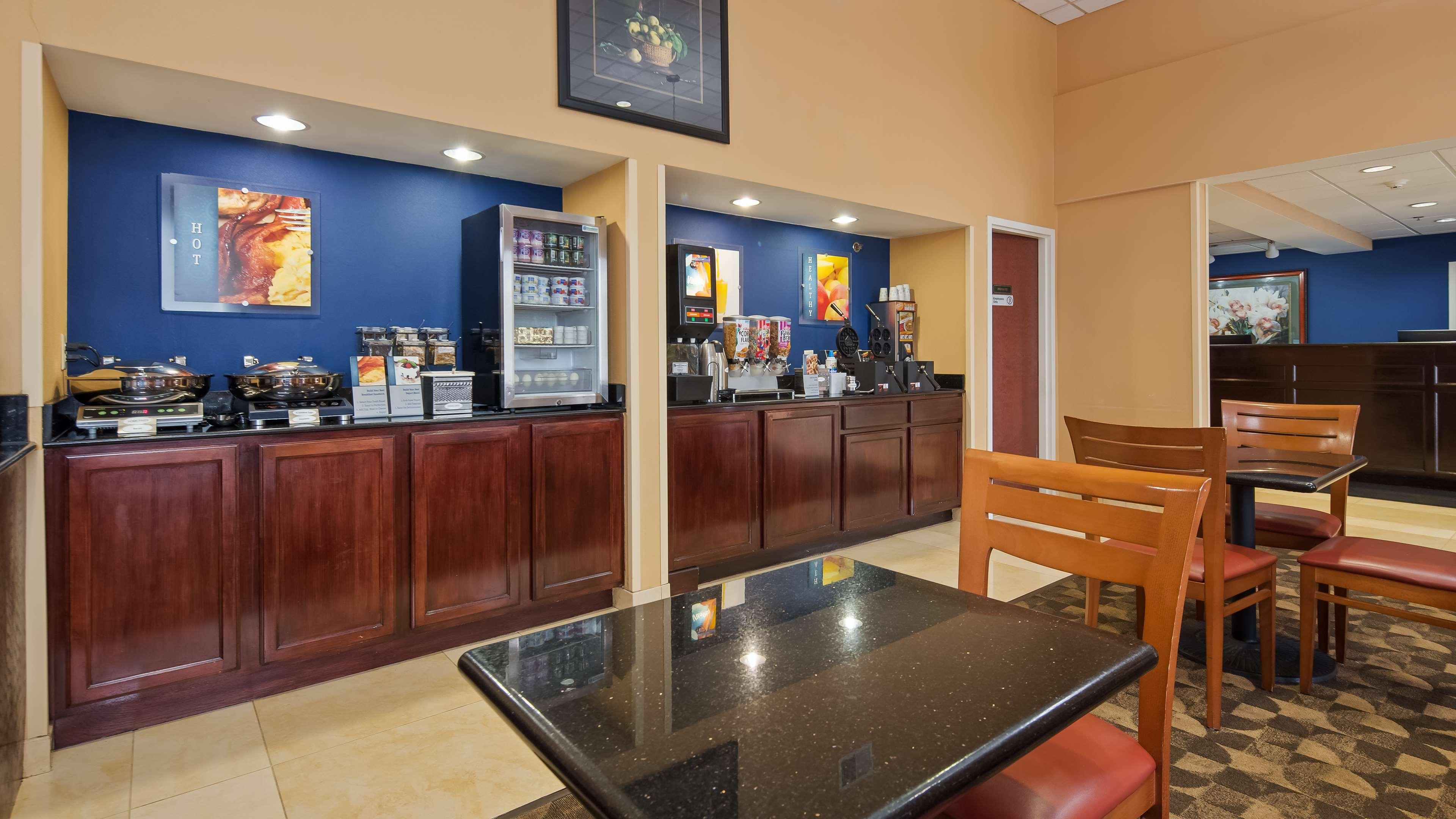 Best Western Concord Inn & Suites image 4