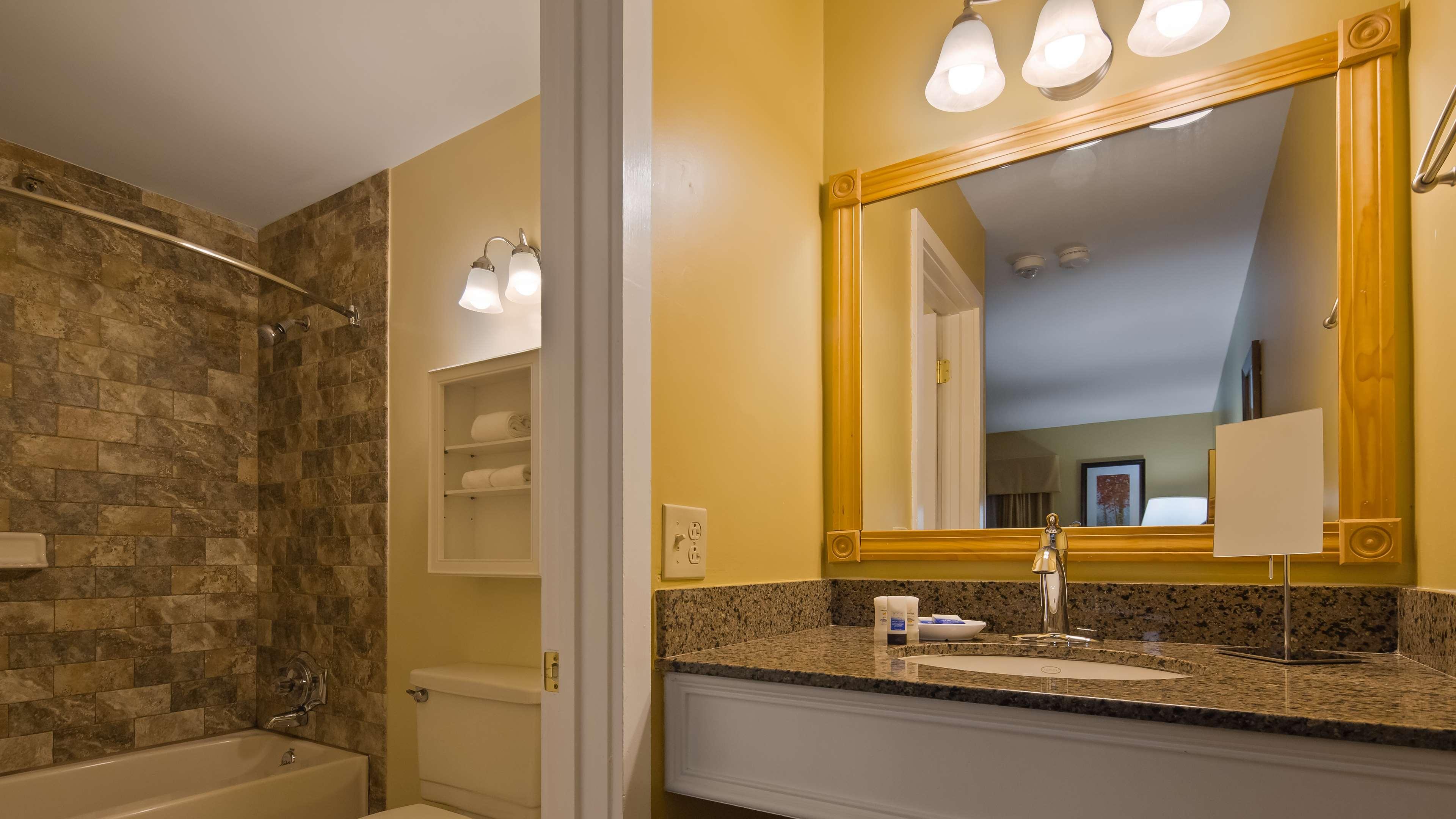 Best Western Plus Windjammer Inn & Conference Center image 31