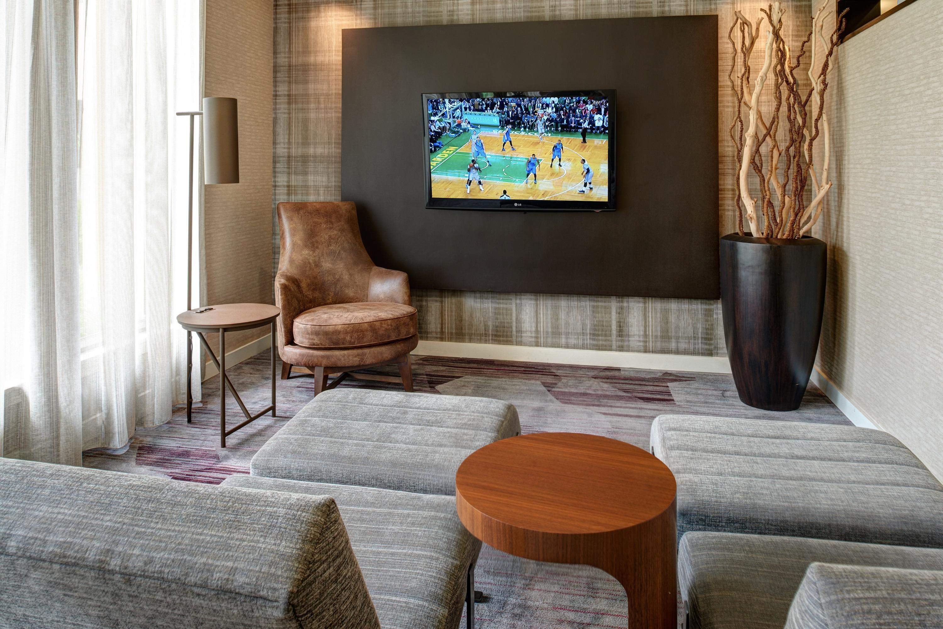 Courtyard by marriott chicago oakbrook terrace coupons for 6 transam plaza dr oakbrook terrace il 60181