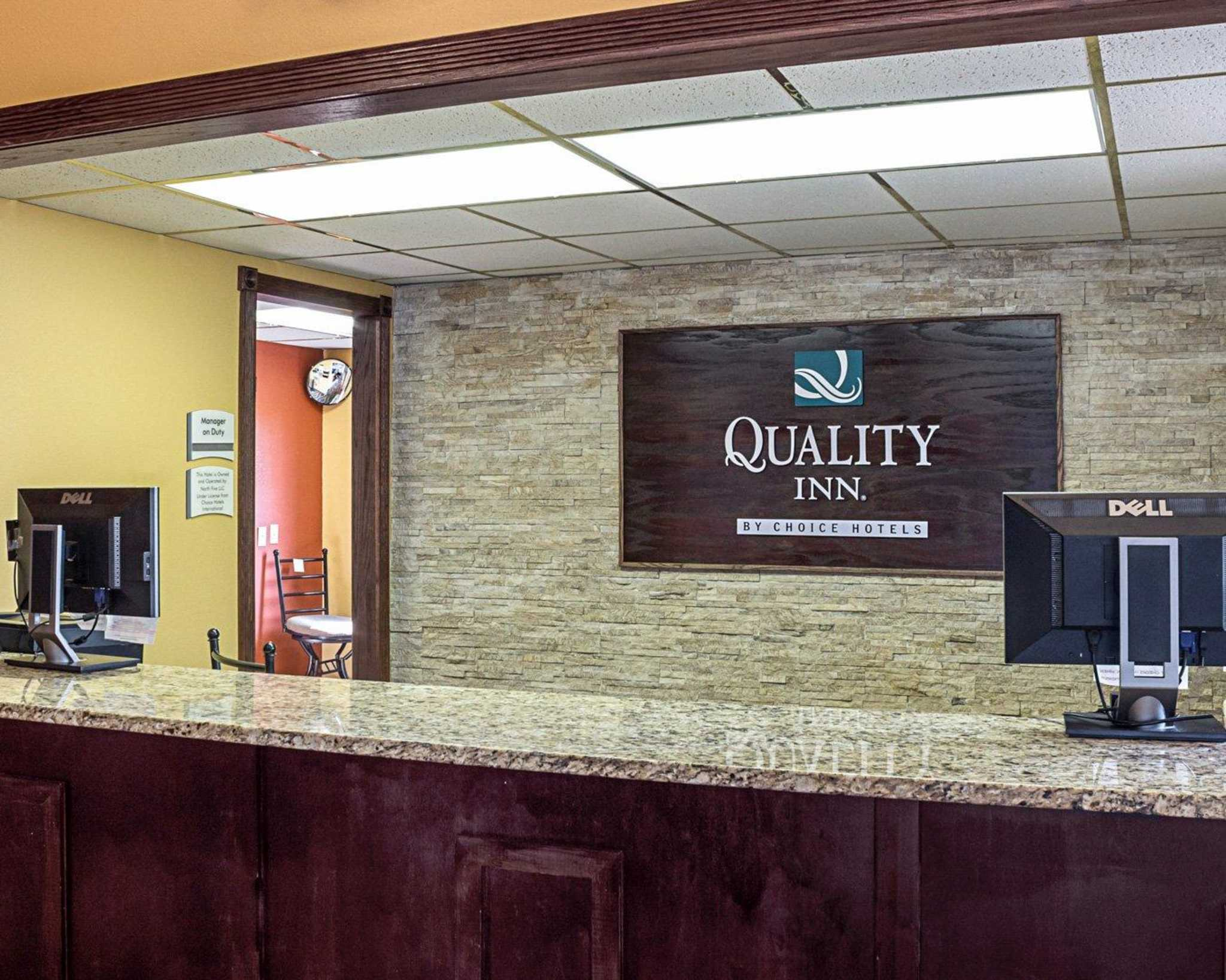 Quality Inn image 4