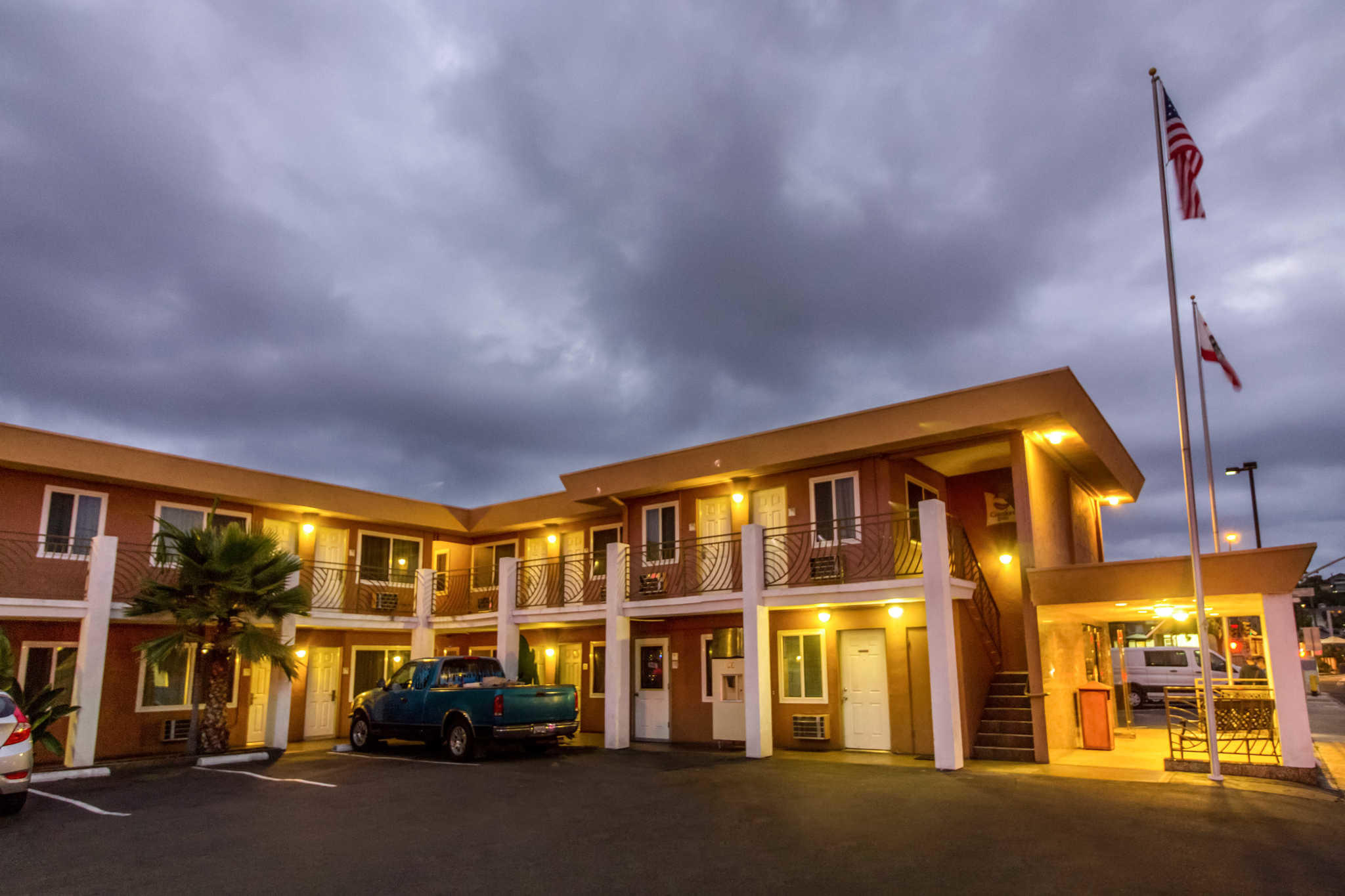 Comfort Inn San Diego At The Harbor image 5