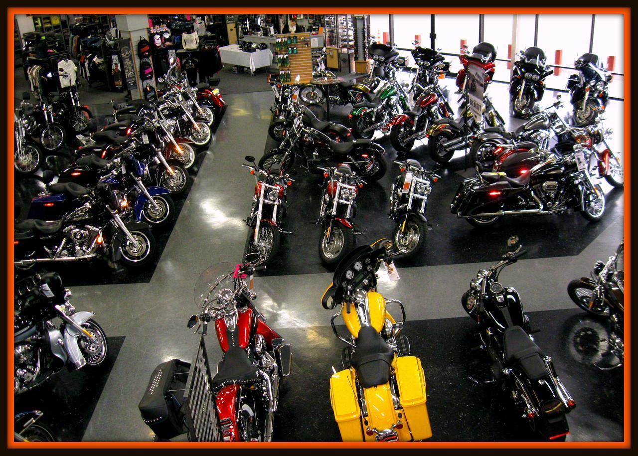Willamette Valley Harley-Davidson® image 1