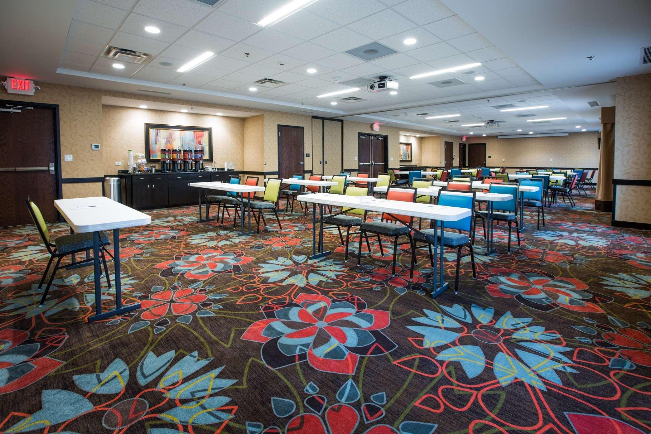 Hampton Inn & Suites Toledo/Westgate image 17