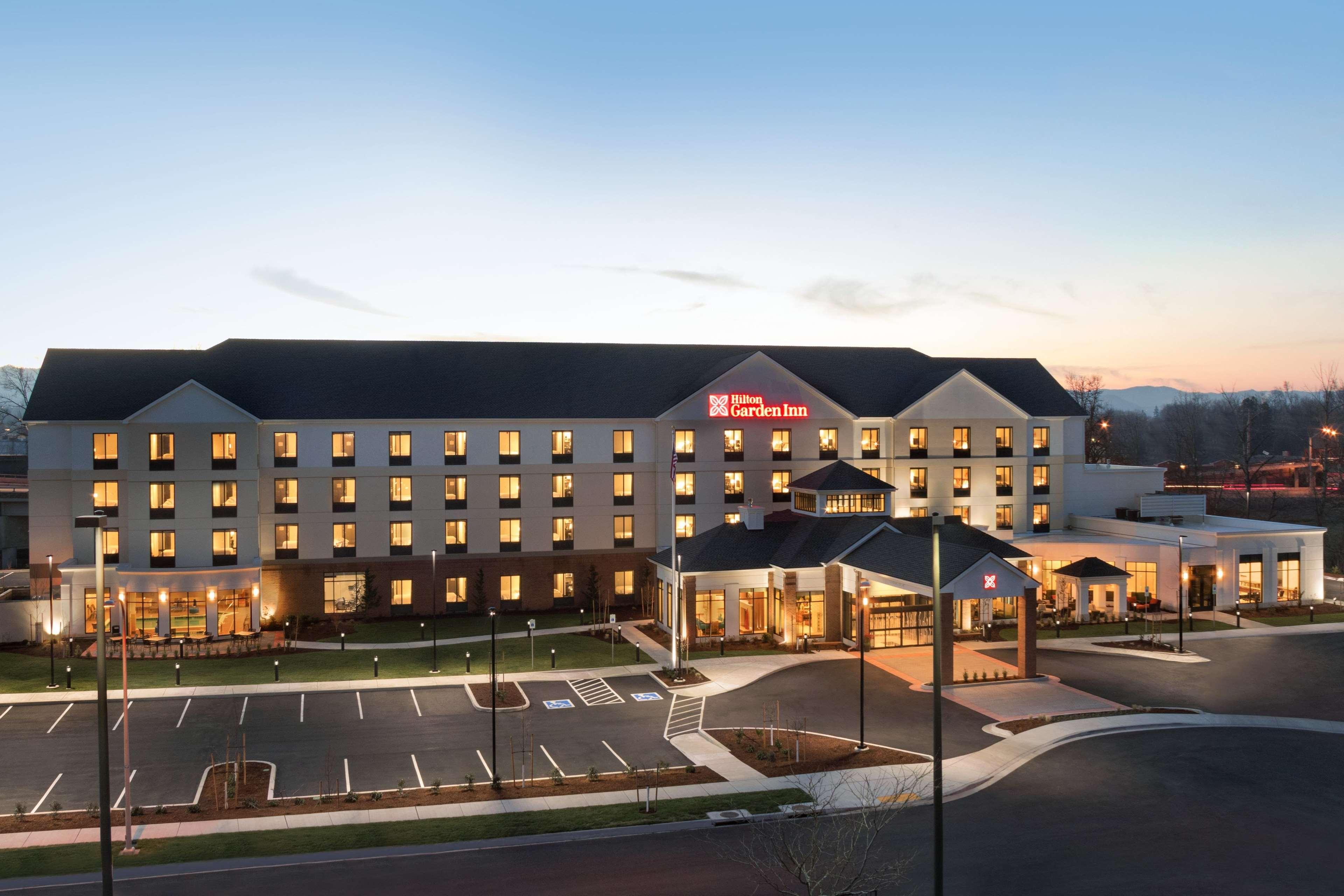 Hilton Garden Inn Medford image 7