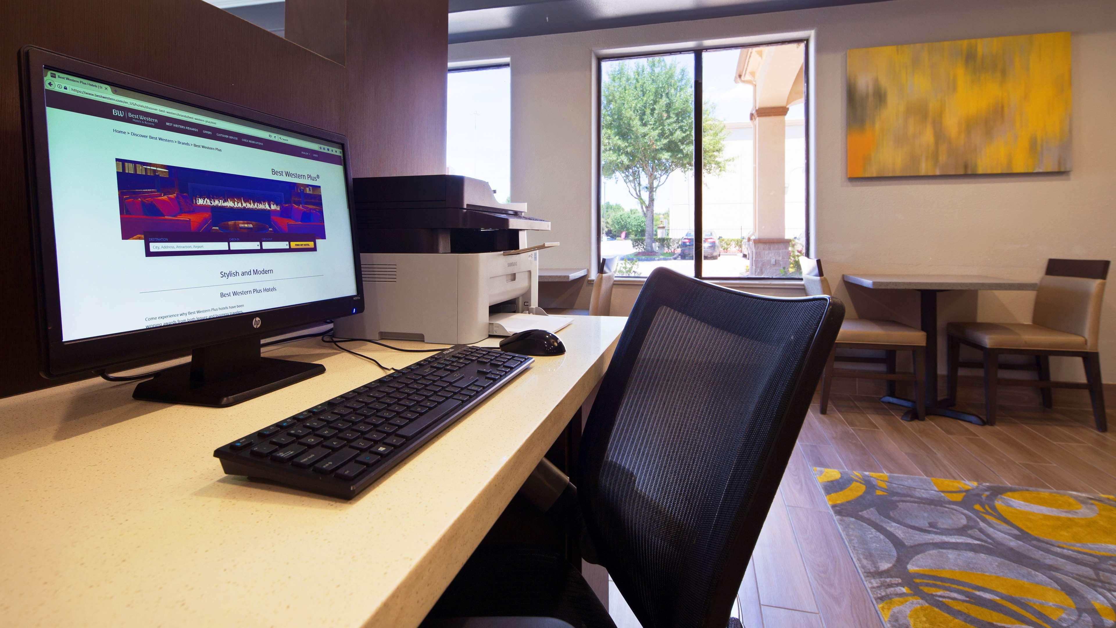 Best Western Plus North Houston Inn & Suites image 3