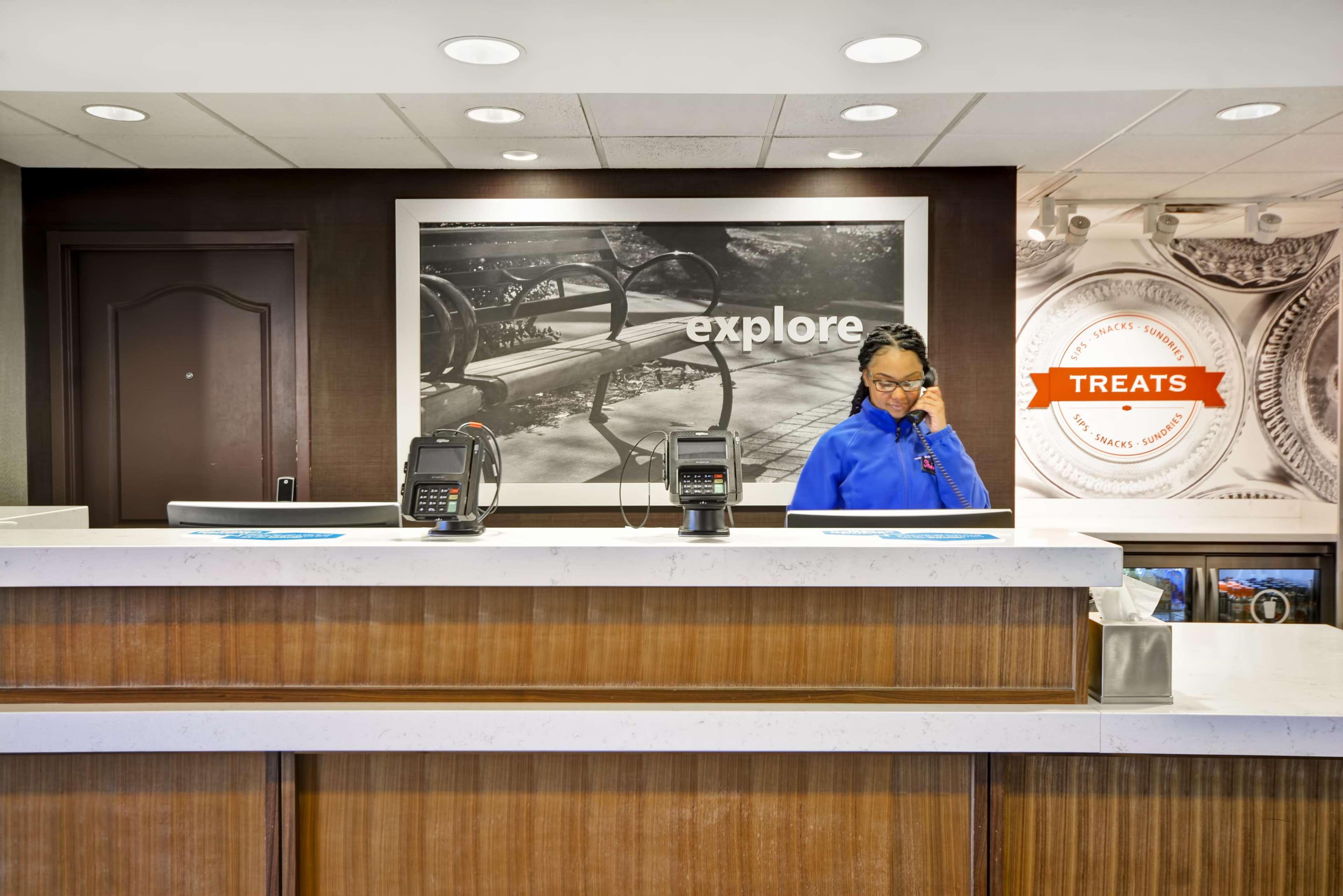 Hampton Inn & Suites Columbus-Easton Area image 9