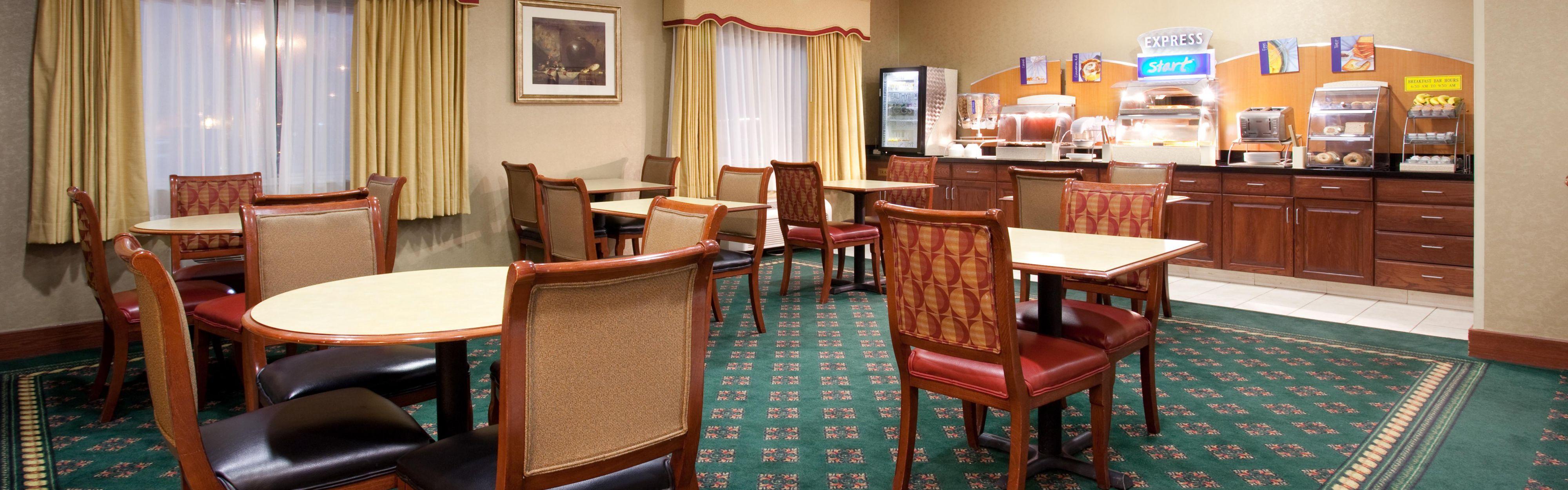 Holiday Inn Express Greeley image 3