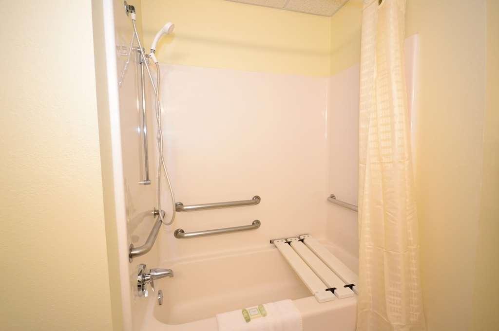 Best Western Concord Inn & Suites image 27