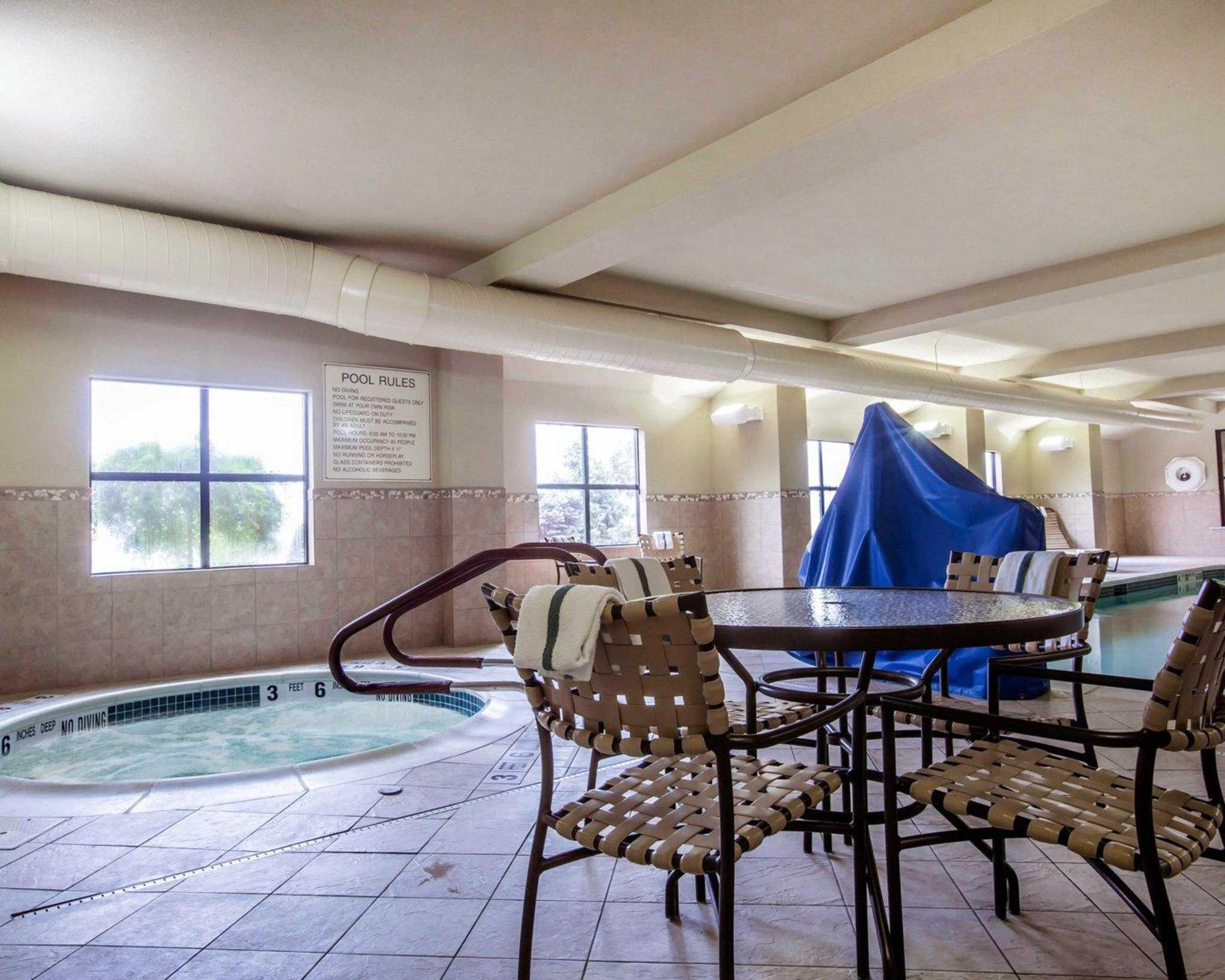 Comfort Inn & Suites adj to Akwesasne Mohawk Casino image 28